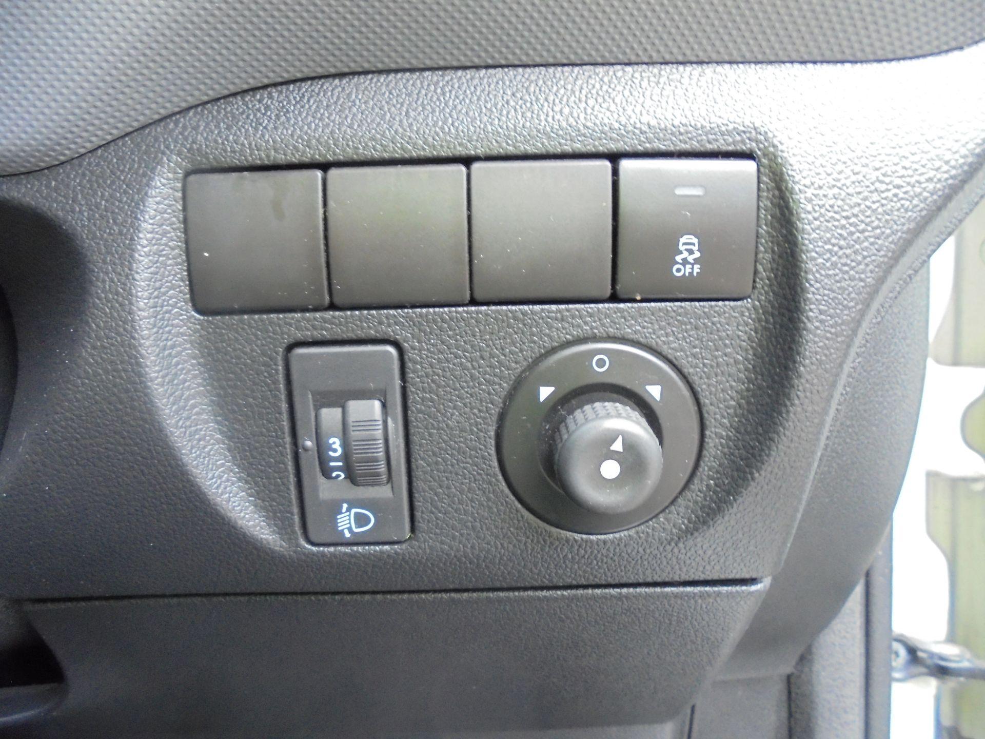 2015 Peugeot Partner 850 S 1.6 Hdi 92 Van [Sld] (NU65MTE) Image 11