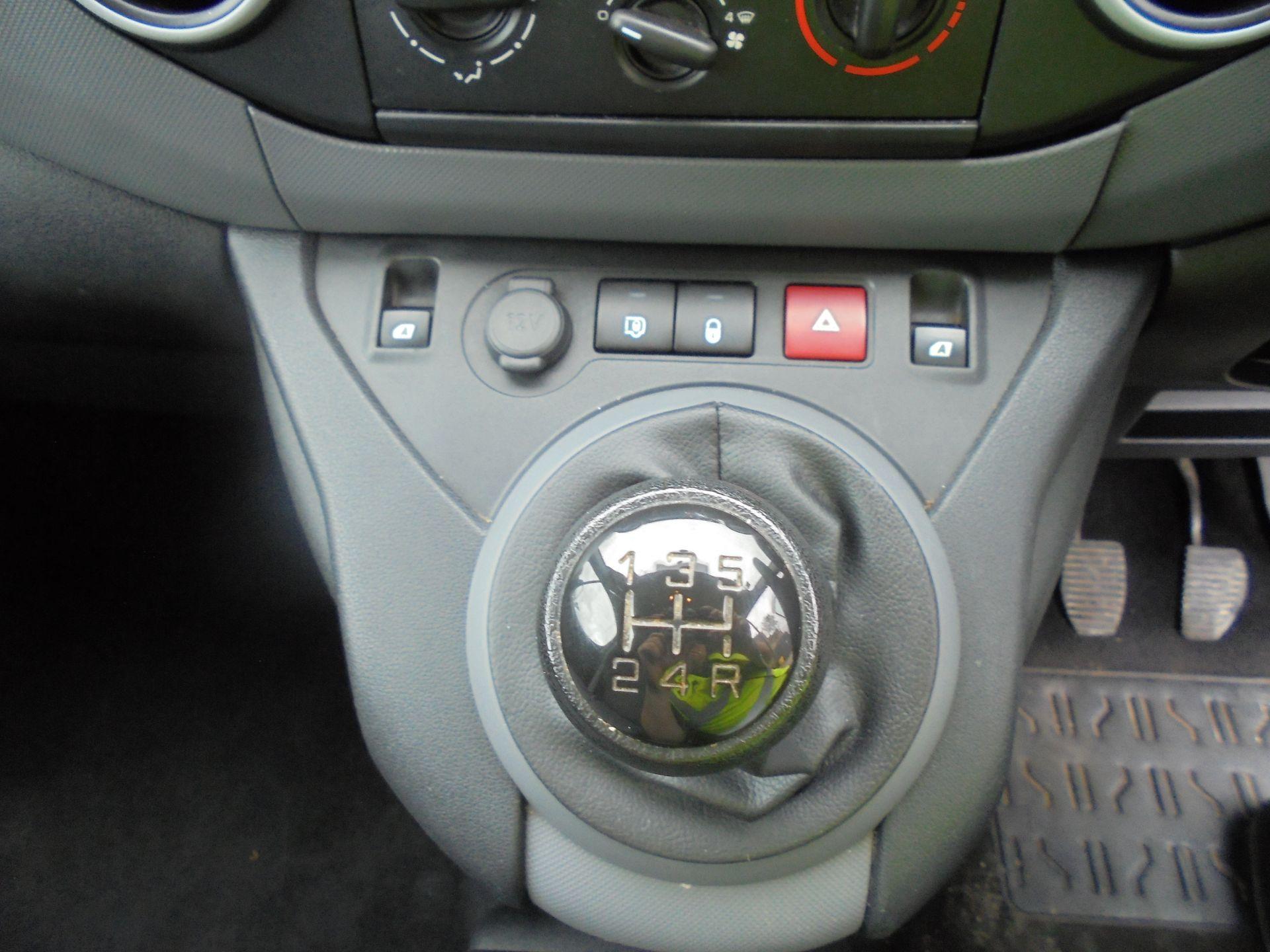 2015 Peugeot Partner 850 S 1.6 Hdi 92 Van [Sld] (NU65MTE) Image 13