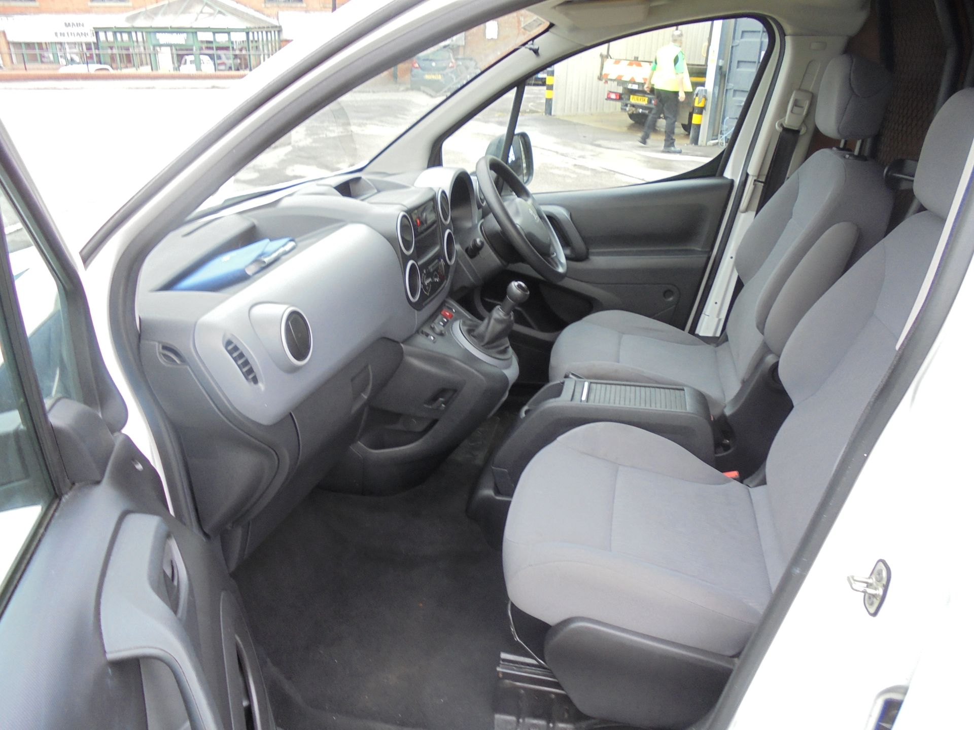 2015 Peugeot Partner 850 S 1.6 Hdi 92 Van [Sld] (NU65MTE) Image 16