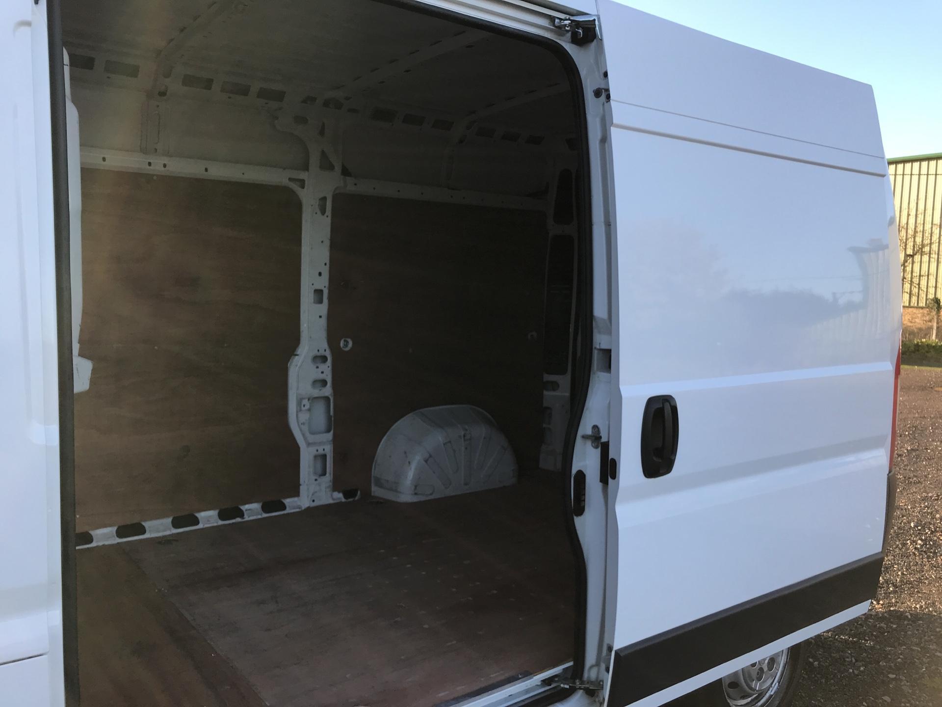 2015 Peugeot Boxer 2.2 Hdi H2 Van 130Ps Euro 5 (NU65TVM) Image 17