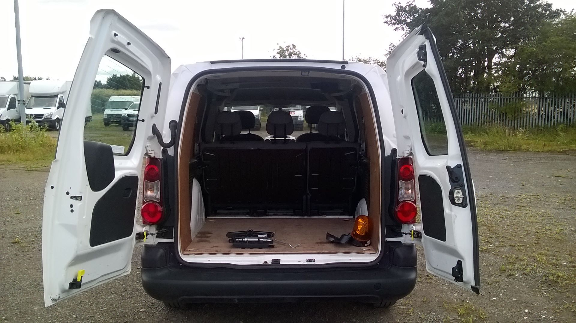 2015 Peugeot Partner 716 S 1.6 Hdi 92 Crew Van (NU65VBX) Image 8