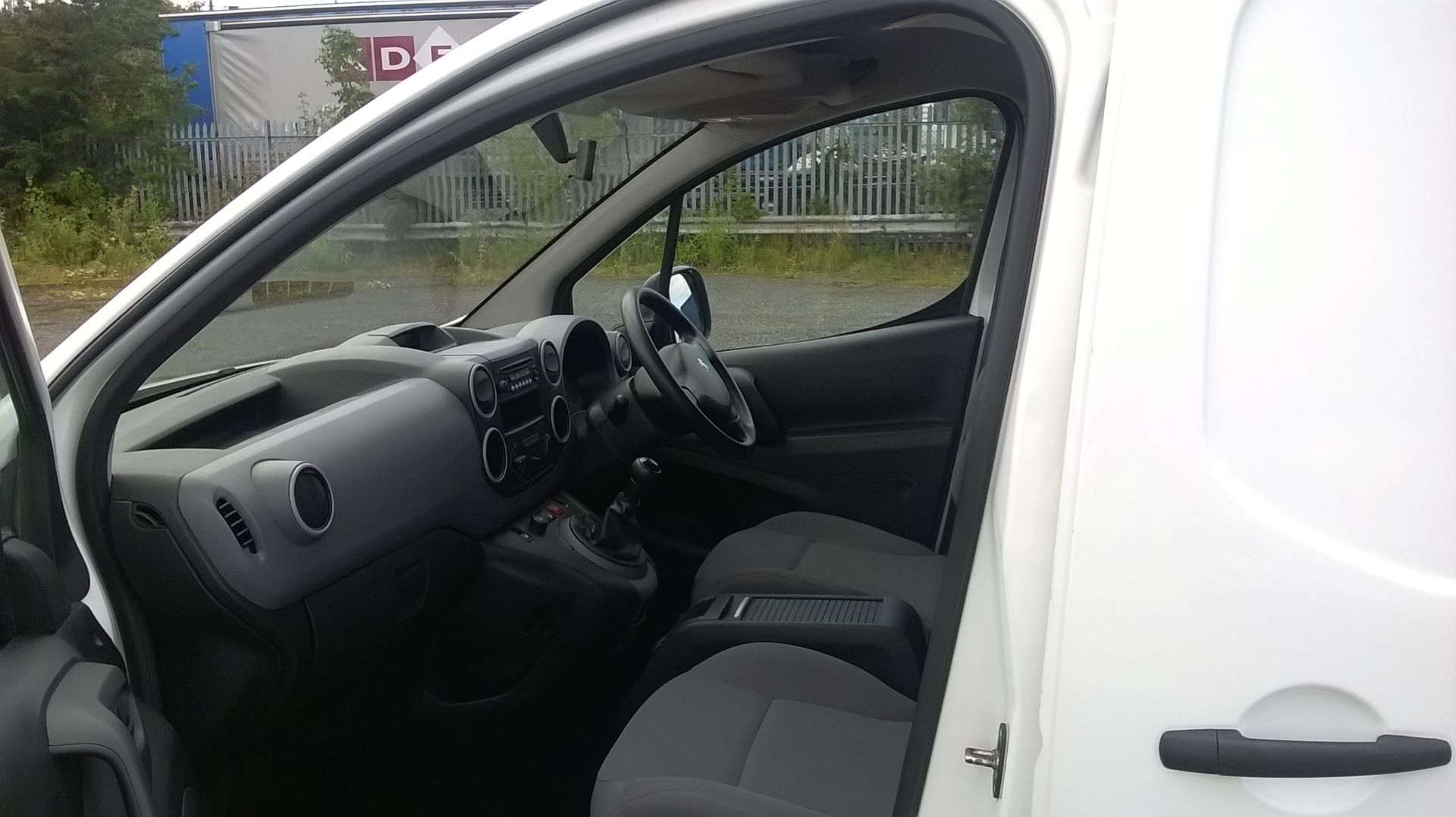2015 Peugeot Partner 716 S 1.6 Hdi 92 Crew Van (NU65VBX) Image 13