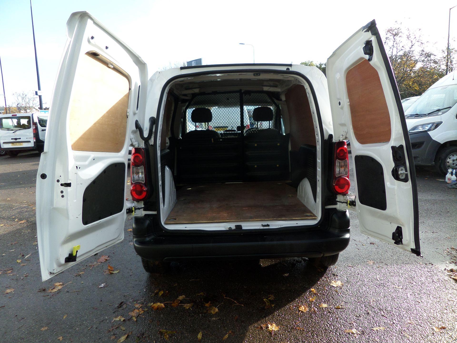 2015 Peugeot Partner 850 S 1.6 Hdi 92 Van [Sld] Euro 5 (NU65VDE) Image 14