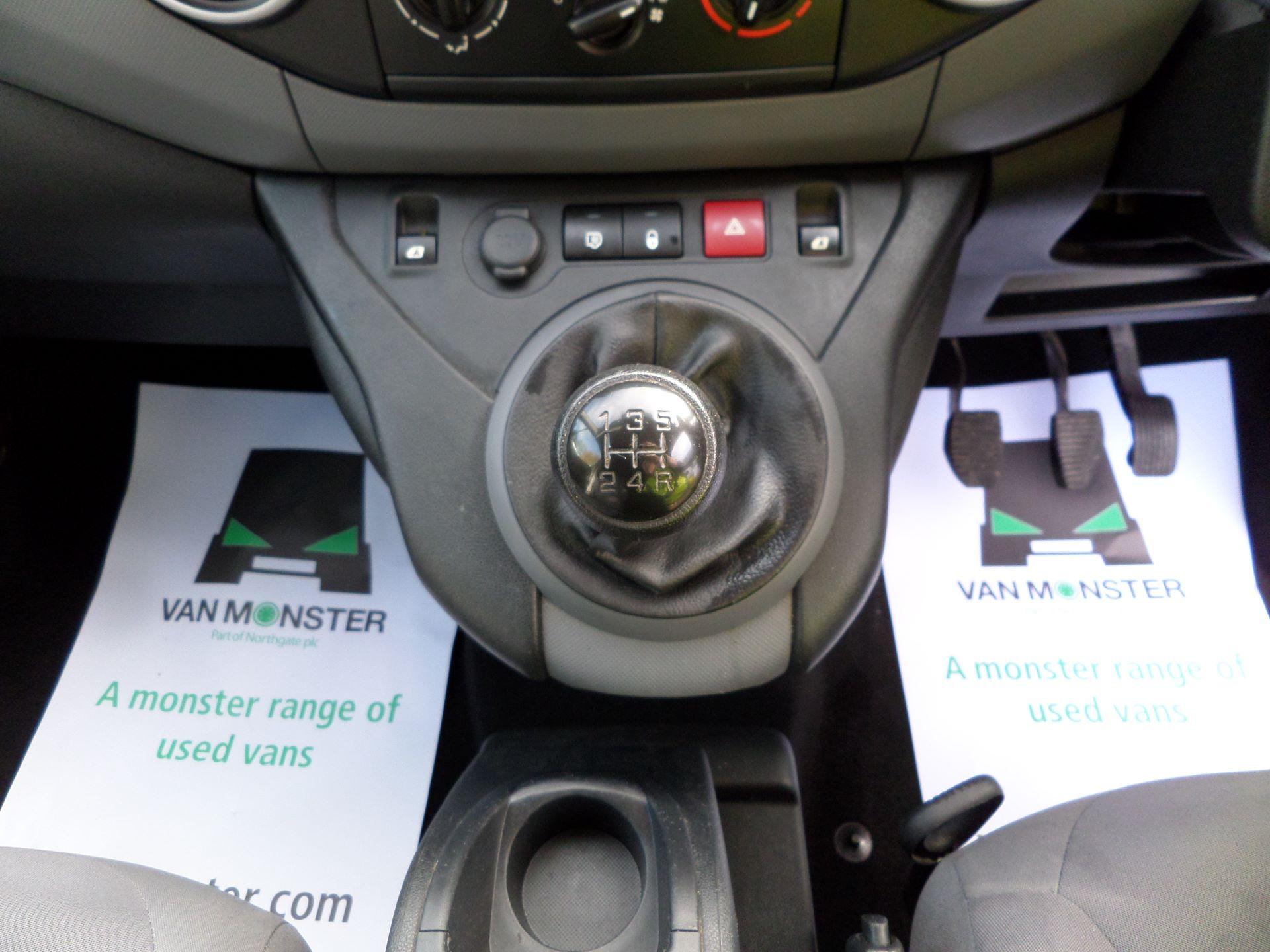 2015 Peugeot Partner 850 S 1.6 Hdi 92 Van [Sld] Euro 5 (NU65VDE) Image 4