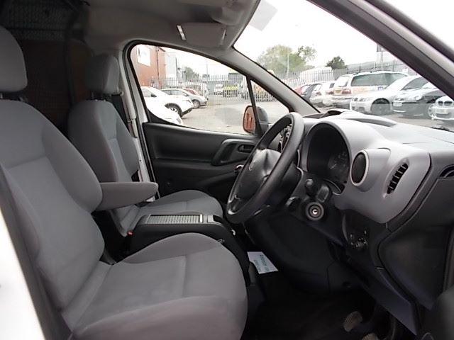 2015 Peugeot Partner L1 850 S 1.6 92PS (SLD) EURO 5 (NU65VVZ) Image 13