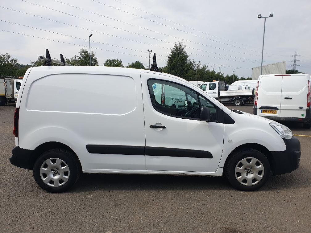 2015 Peugeot Partner *VALUE RANGE VEHICLE CONDITION REFLECTED IN PRICE* L1 850 S 1.6 92PS (SLD) EURO 5 (NU65VWB) Image 14