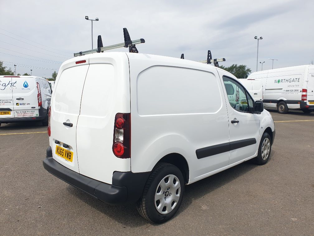 2015 Peugeot Partner *VALUE RANGE VEHICLE CONDITION REFLECTED IN PRICE* L1 850 S 1.6 92PS (SLD) EURO 5 (NU65VWB) Image 13