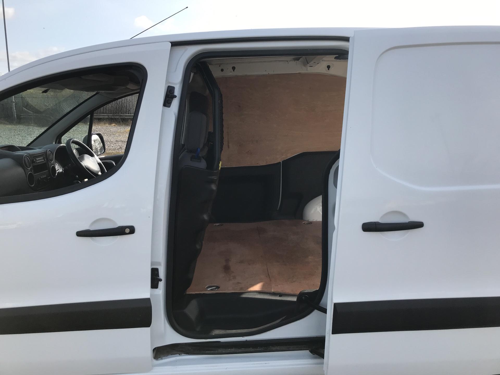 2015 Peugeot Partner  L1 850 SE 1.6 92PS EURO 5 (NU65VXT) Image 17