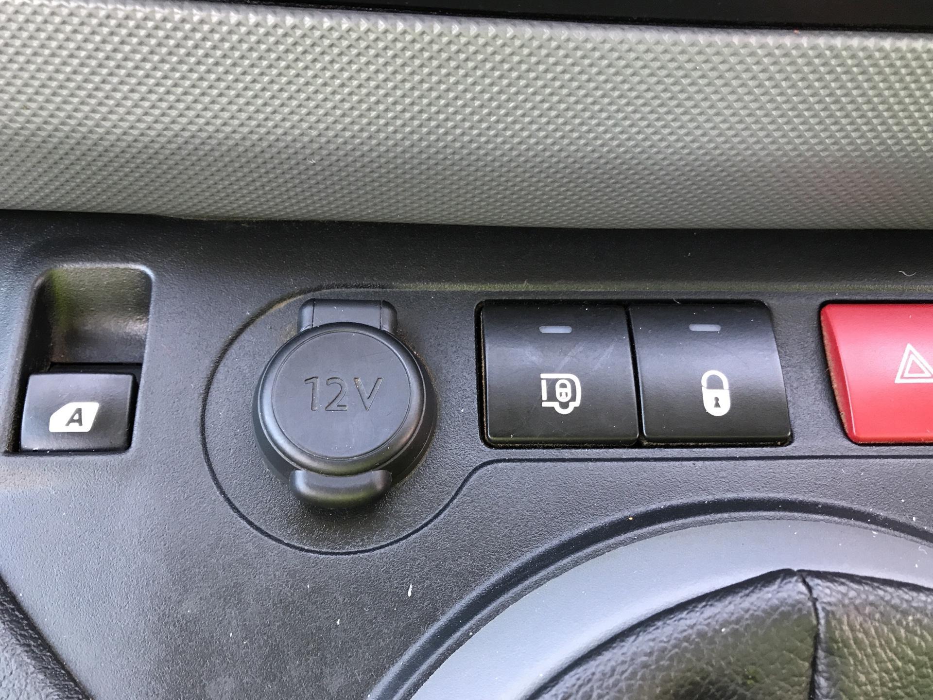 2015 Peugeot Partner L2 716 1.6 92 CREW VAN EURO 5 (NU65XAP) Image 20