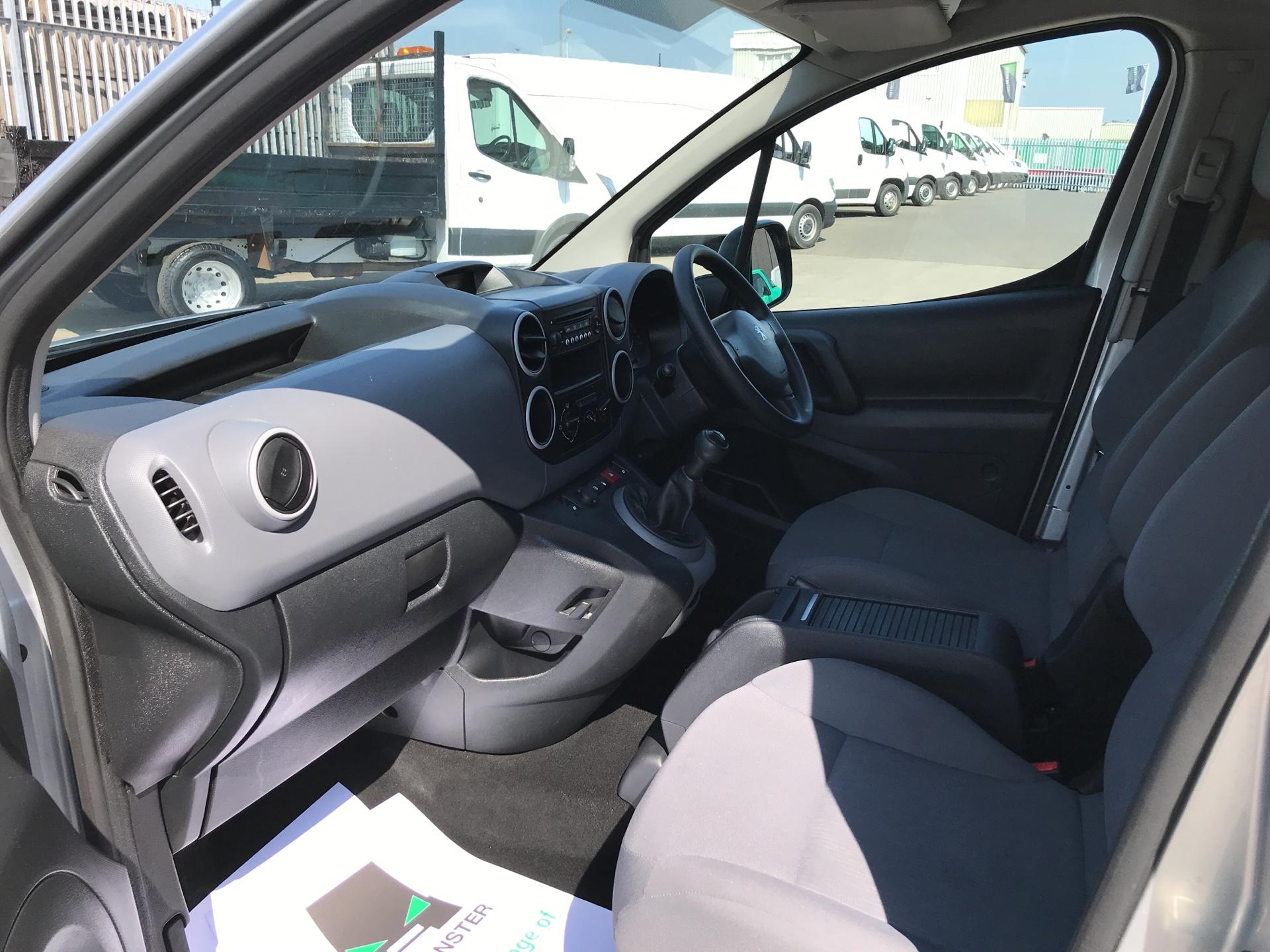 2015 Peugeot Partner L1 850 S 1.6HDI 92PS (SLD) EURO 5 (NU65ZJJ) Image 14