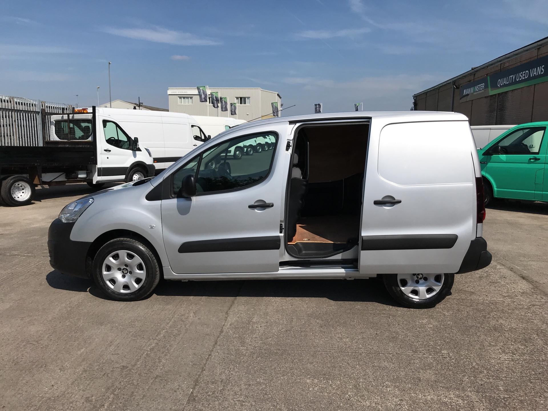 2015 Peugeot Partner L1 850 S 1.6HDI 92PS (SLD) EURO 5 (NU65ZJJ) Image 19