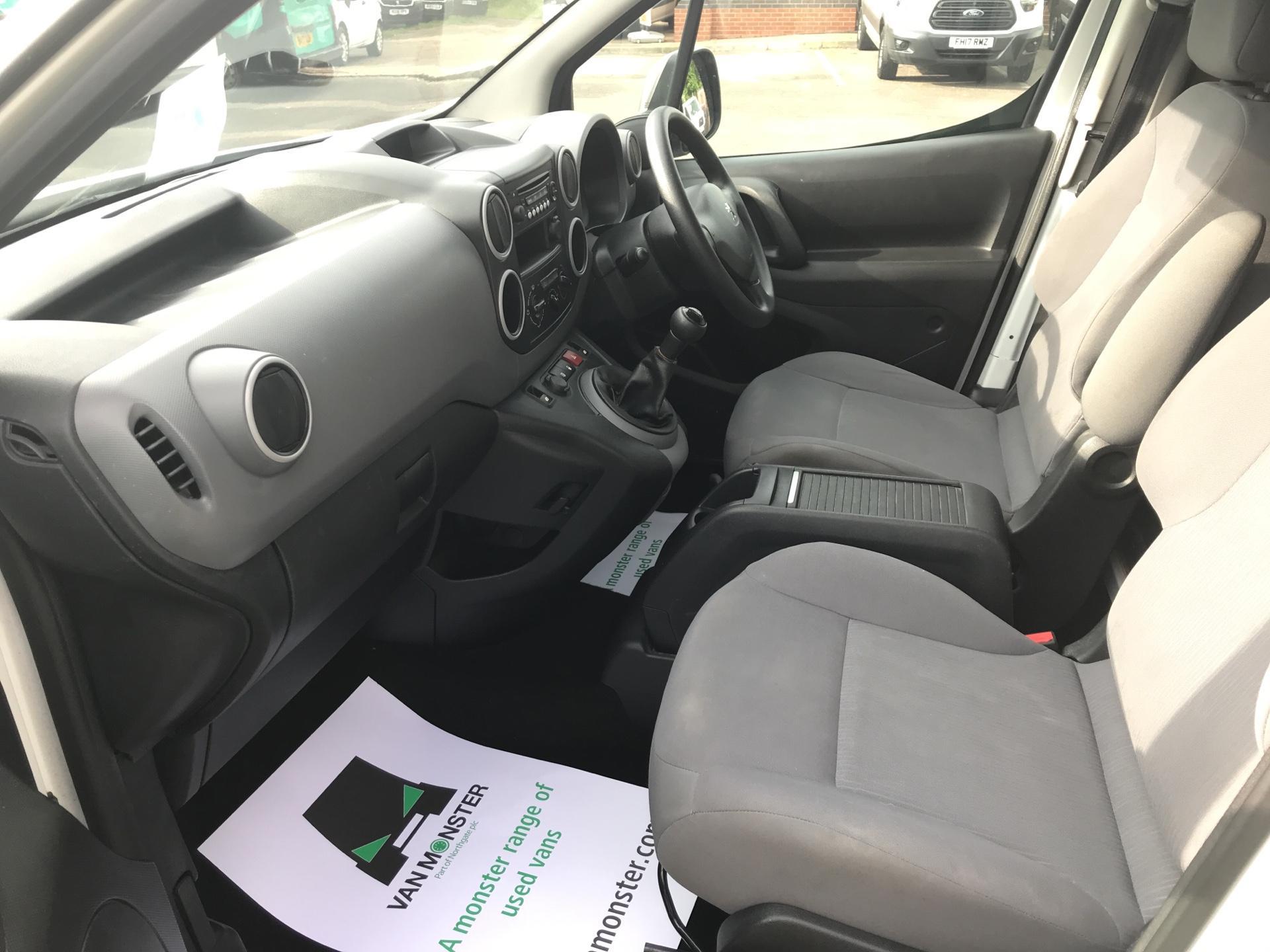 2015 Peugeot Partner 850 S 1.6 Hdi 92 Van [Sld] Euro 5 (NU65ZJN) Image 14