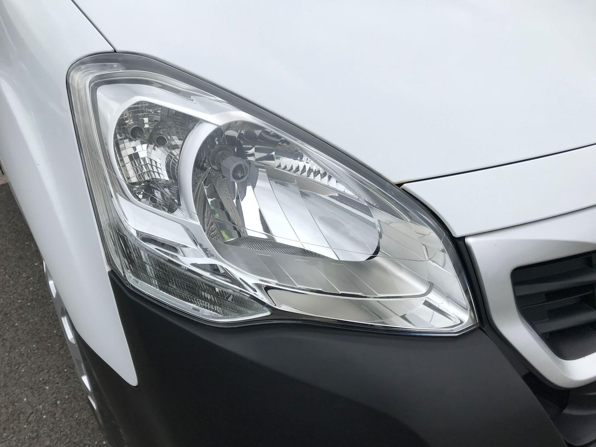 2015 Peugeot Partner  L1 850 1.6 92PS (SLD) EURO 5  (NU65ZYG) Image 14