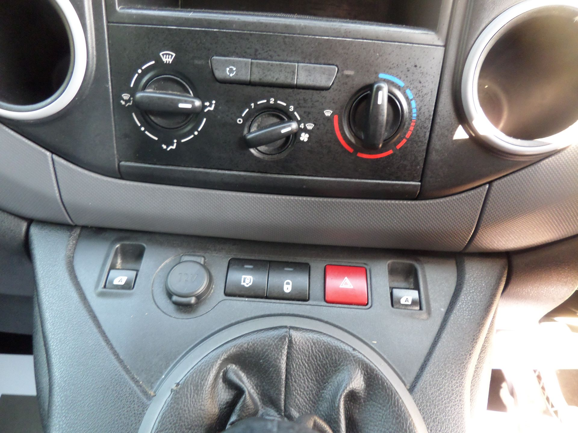 2016 Peugeot Partner 850 S 1.6 Hdi 92 Van [Sld] Euro 5 (NU66ANV) Image 14