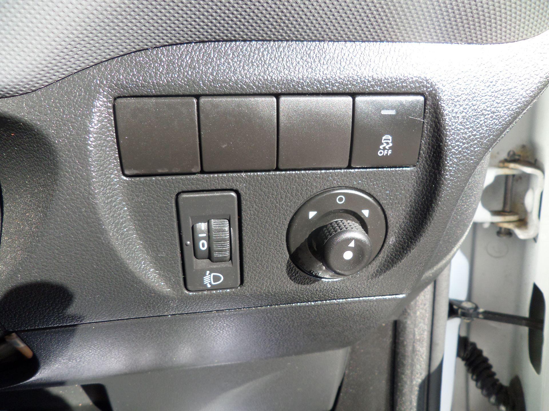 2016 Peugeot Partner 850 S 1.6 Hdi 92 Van [Sld] Euro 5 (NU66AON) Image 16