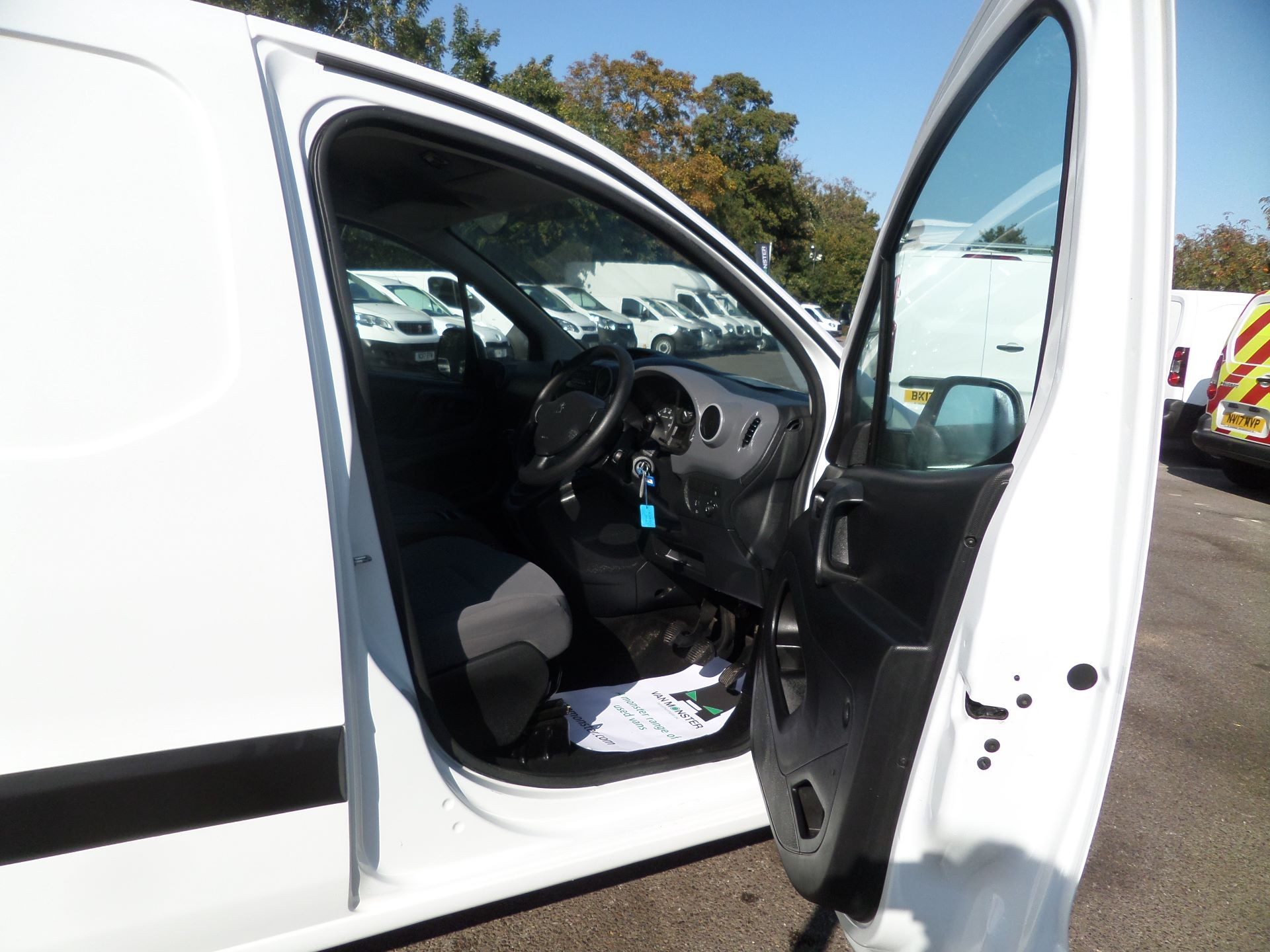 2016 Peugeot Partner 850 S 1.6 Hdi 92 Van [Sld] Euro 5 (NU66AON) Image 11
