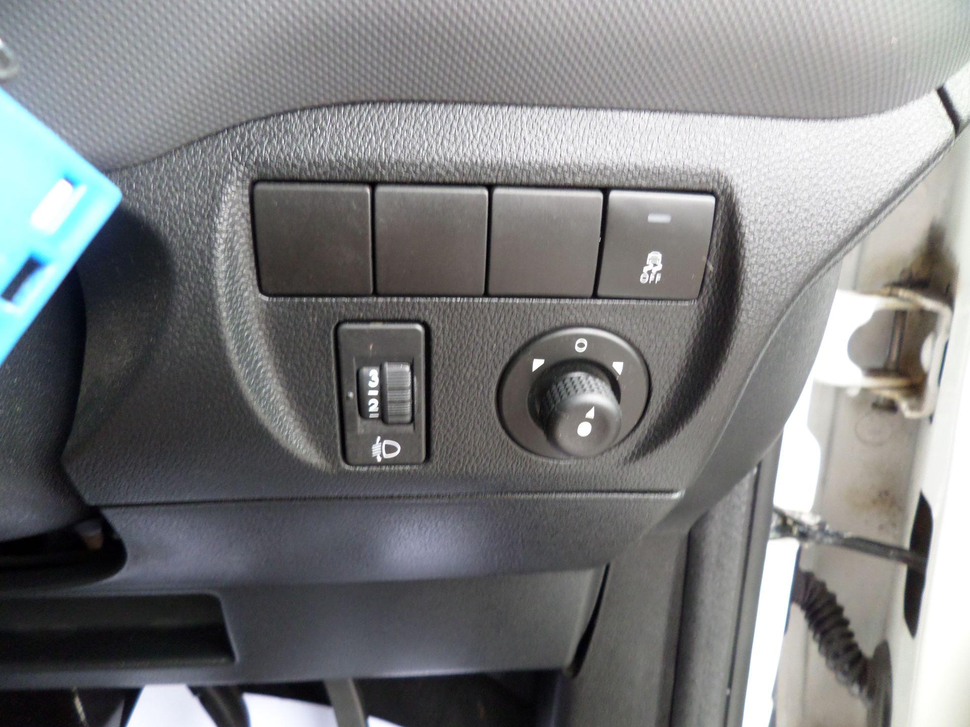 2016 Peugeot Partner 850 S 1.6 Hdi 92 Van [Sld] Euro 5 (NU66AOT) Image 13