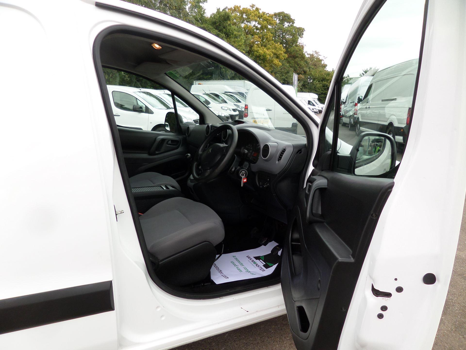 2016 Peugeot Partner 850 S 1.6 Hdi 92 Van [Sld] Euro 5 (NU66APO) Image 10