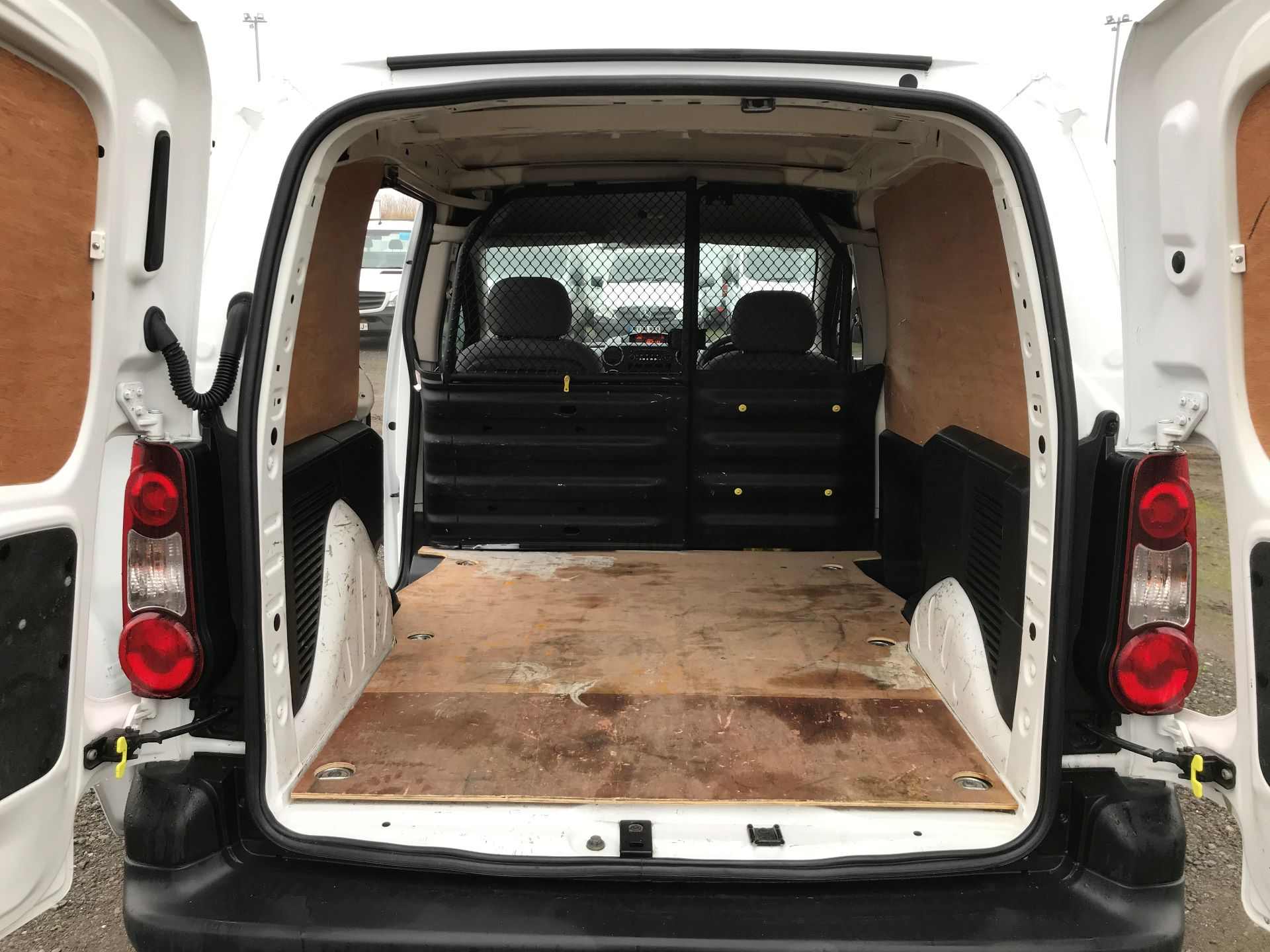 2016 Peugeot Partner 850 S 1.6 Hdi 92 Van [Sld] (NU66AUW) Image 16