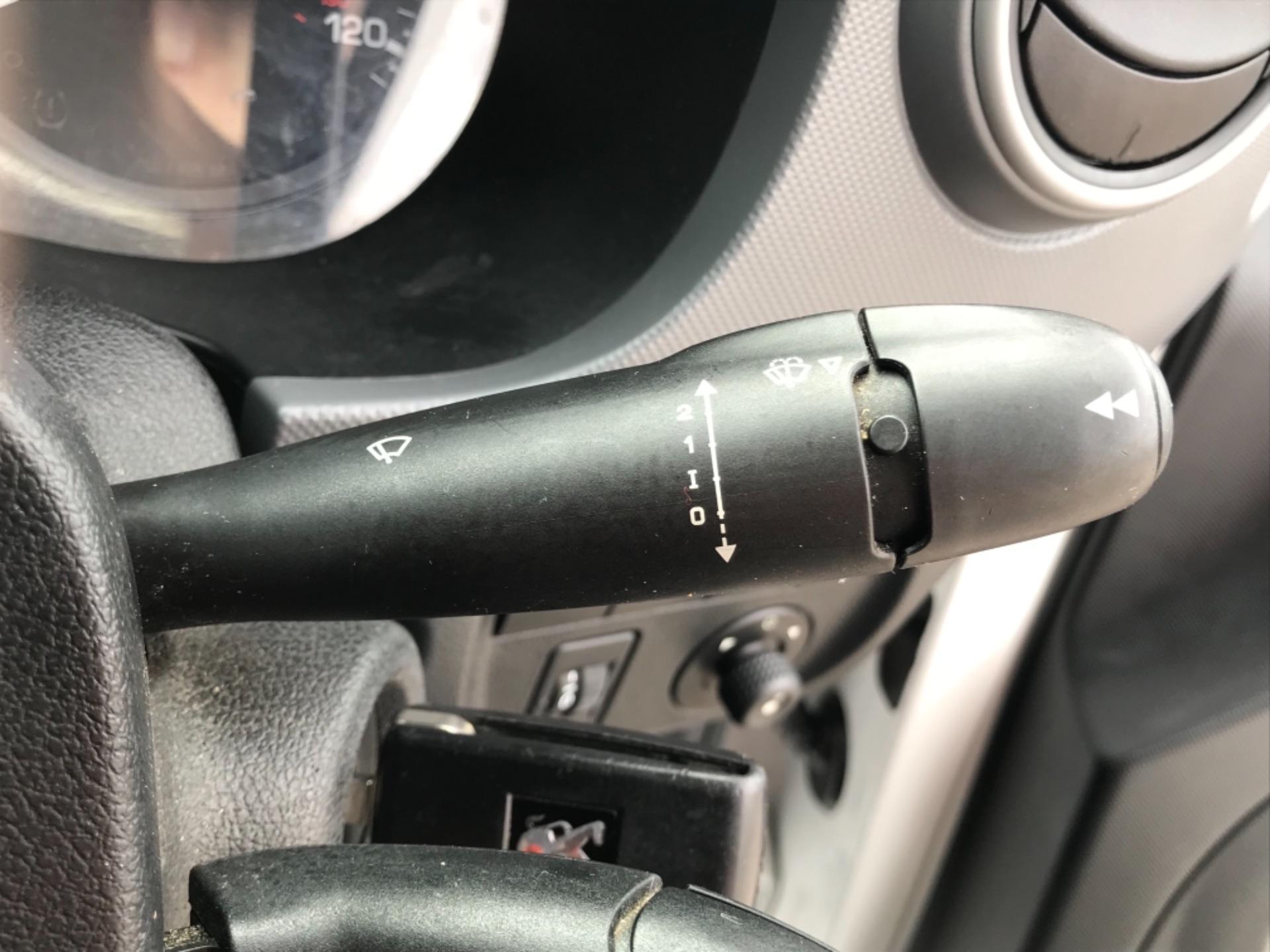 2016 Peugeot Partner 850 S 1.6 Hdi 92 Van [Sld] EURO 5 (NU66AVB) Image 15