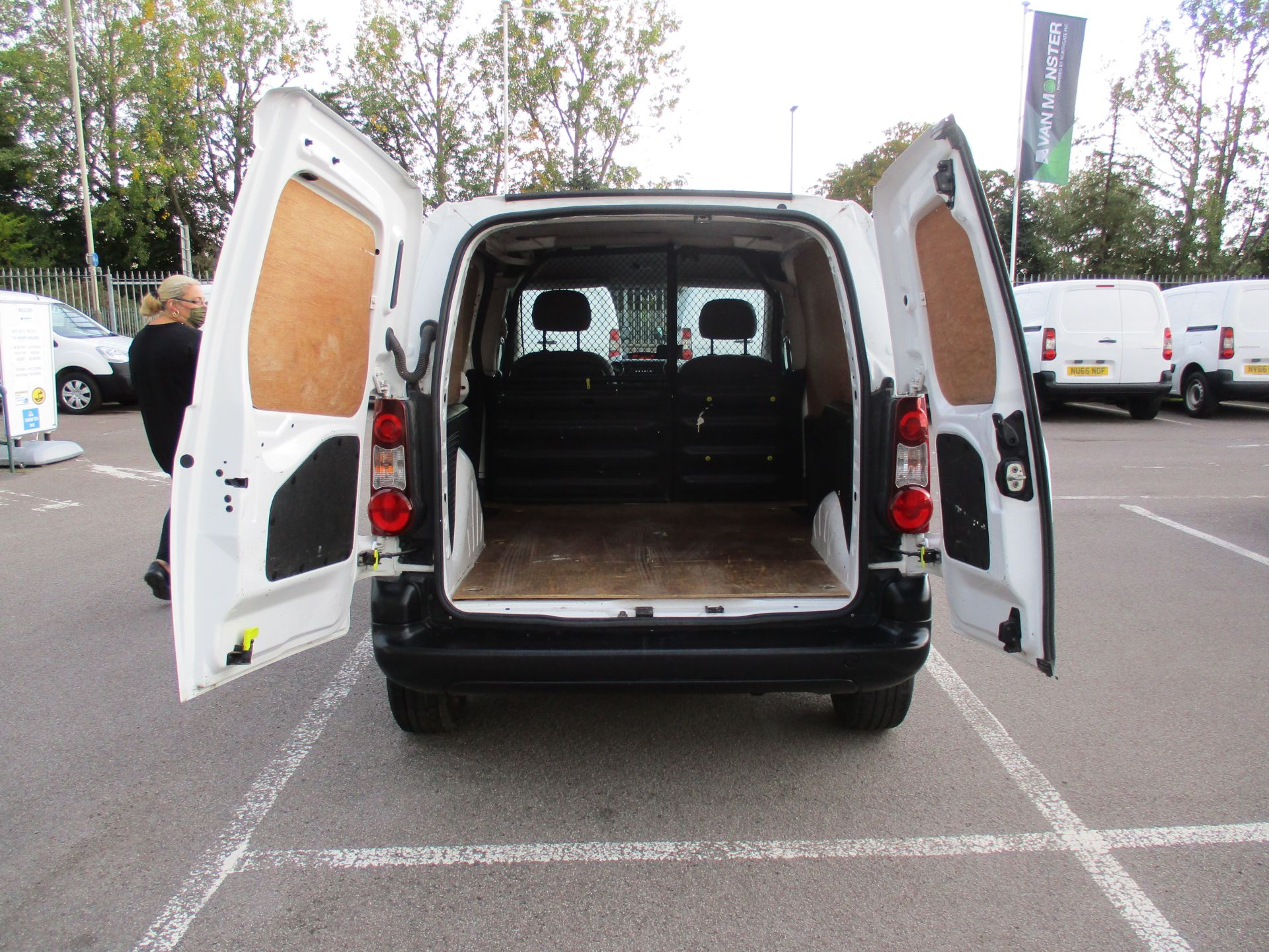 2016 Peugeot Partner 850 S 1.6 Hdi 92 Van [Sld] (NU66AVG) Image 6