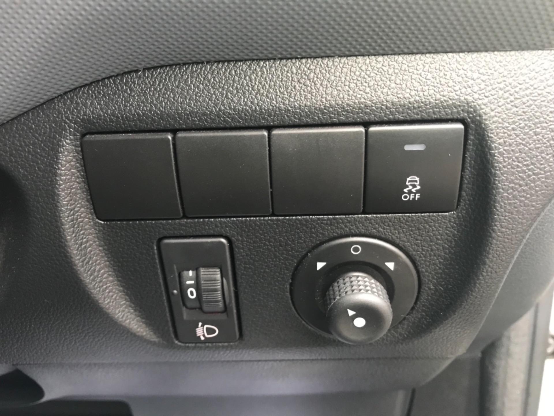 2016 Peugeot Partner  L2 715 S 1.6 BLUEHDI 100 CREW VAN EURO 6 (NU66GGV) Image 24