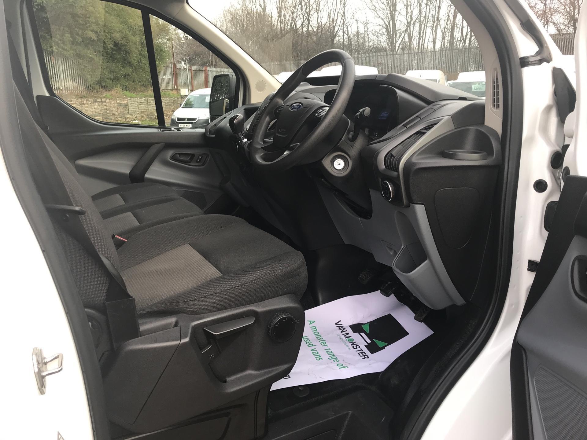 2016 Ford Transit Custom 290 L1 DIESEL FWD 2.2 TDCI 100PS LOW ROOF VAN EURO 5 (NU66HJX) Image 9
