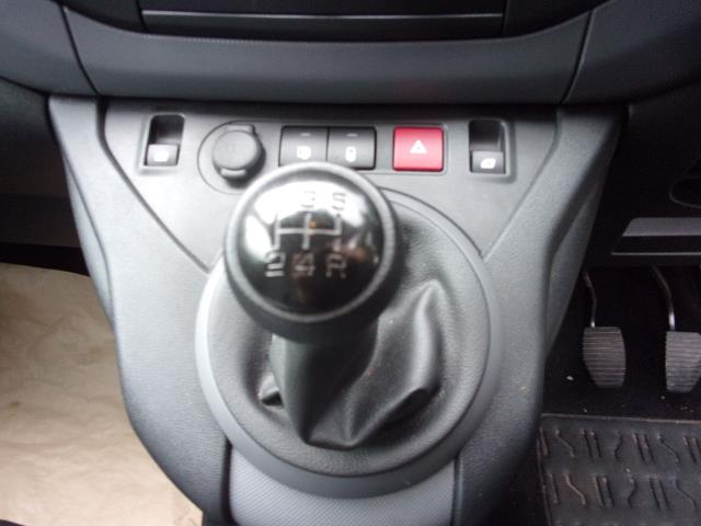 2016 Peugeot Partner L1 850 SE 1.6 HDI 92PS VAN EURO 5 (NU66KWX) Image 4