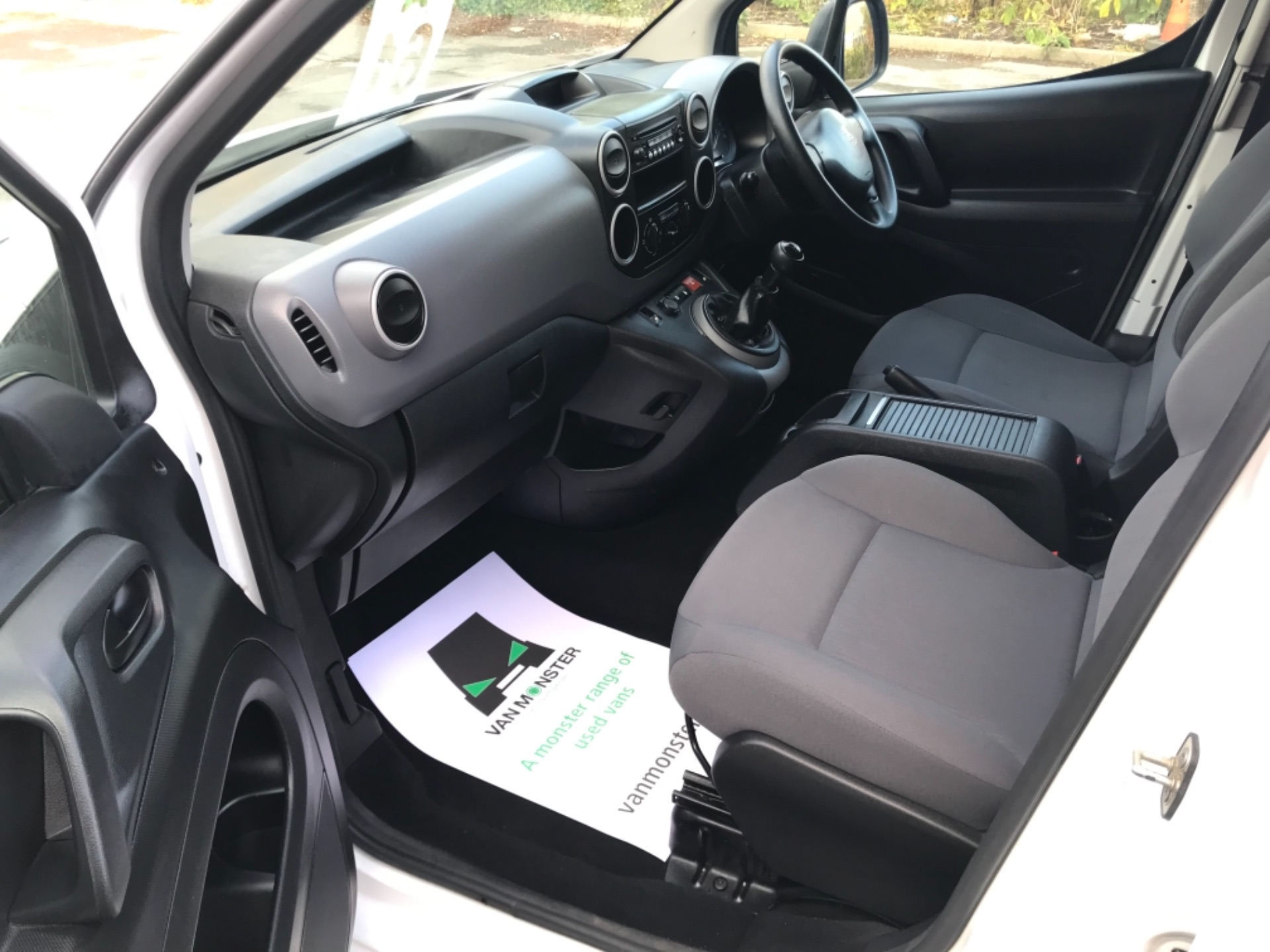2016 Peugeot Partner 850 S 1.6 Hdi 92 Van [Sld] EURO 5 (NU66NBY) Image 22