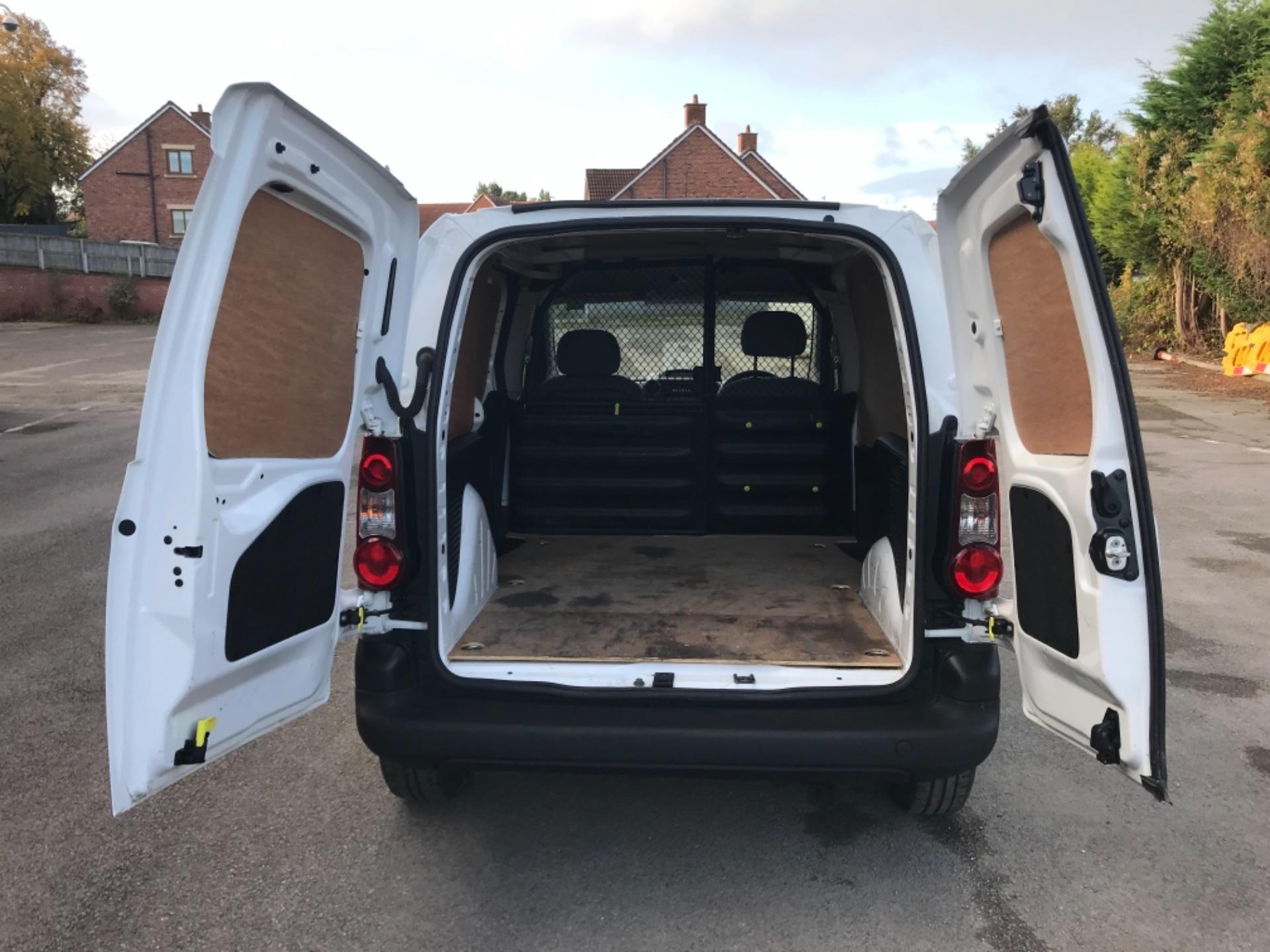 2016 Peugeot Partner 850 S 1.6 Hdi 92 Van [Sld] EURO 5 (NU66NBY) Image 27