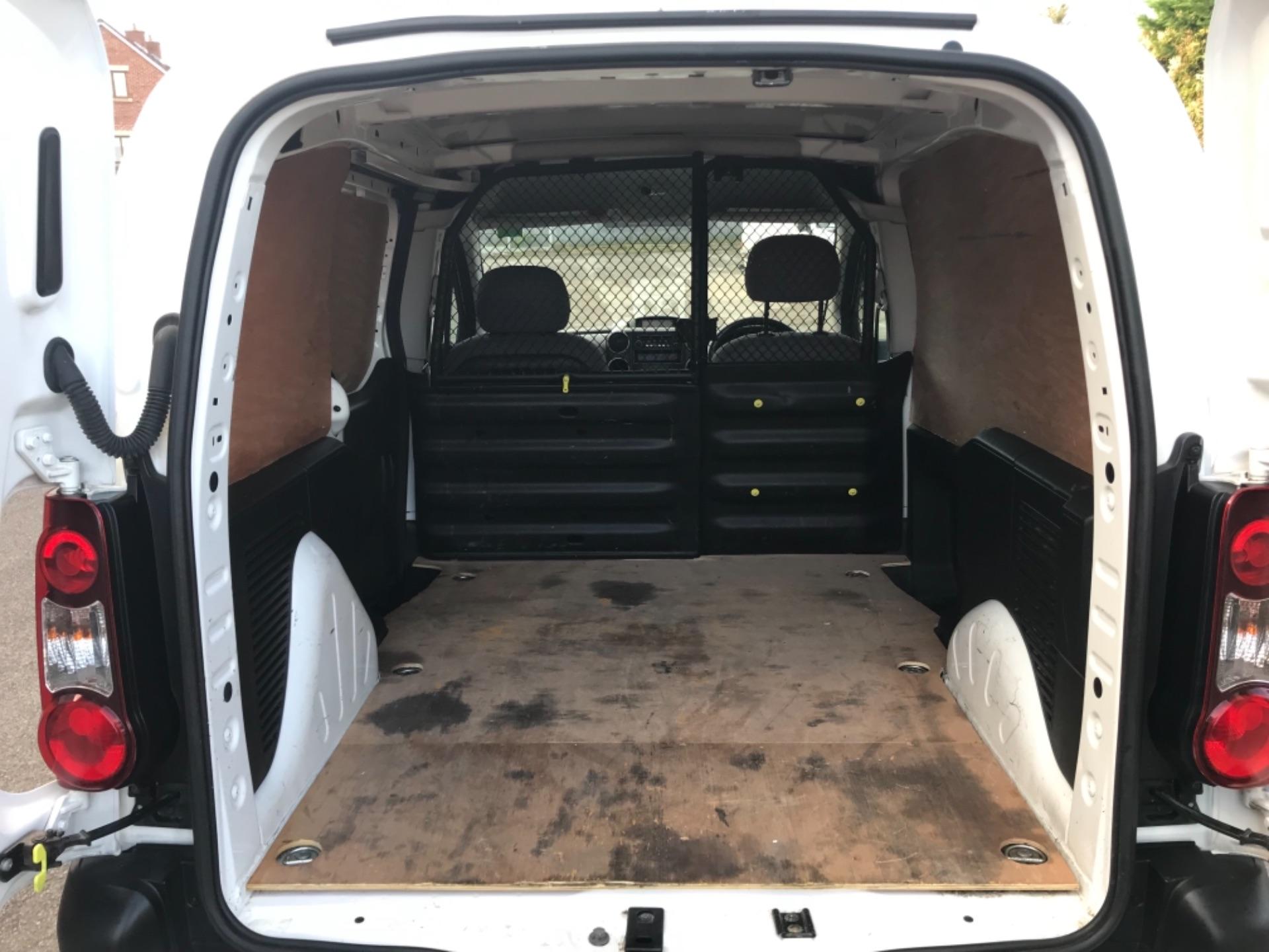 2016 Peugeot Partner 850 S 1.6 Hdi 92 Van [Sld] EURO 5 (NU66NBY) Image 28