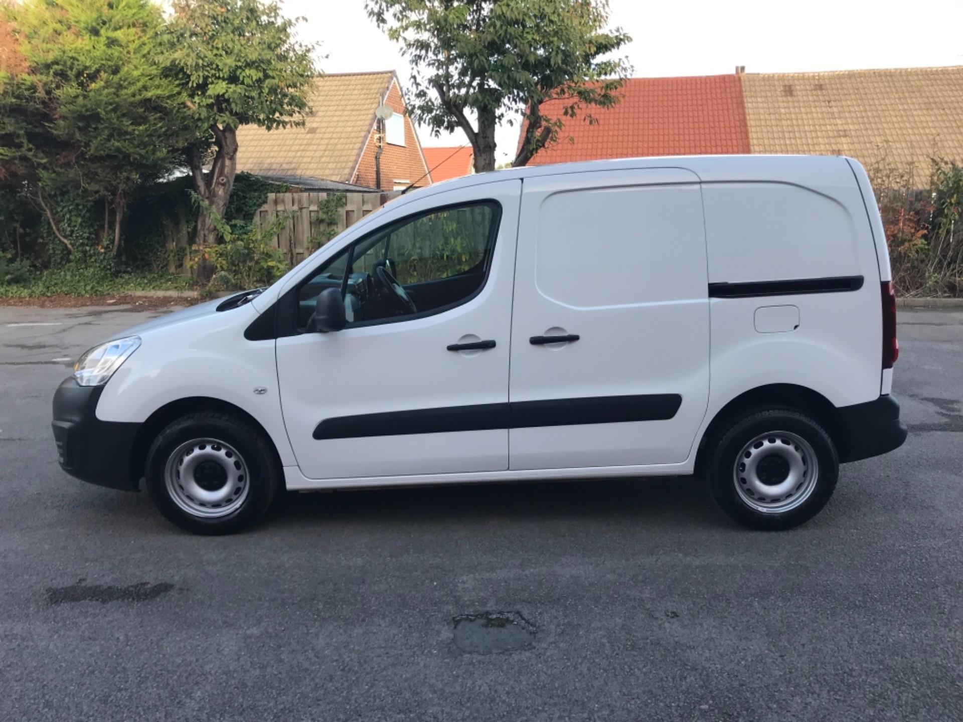 2016 Peugeot Partner 850 S 1.6 Hdi 92 Van [Sld] EURO 5 (NU66NBY) Image 4