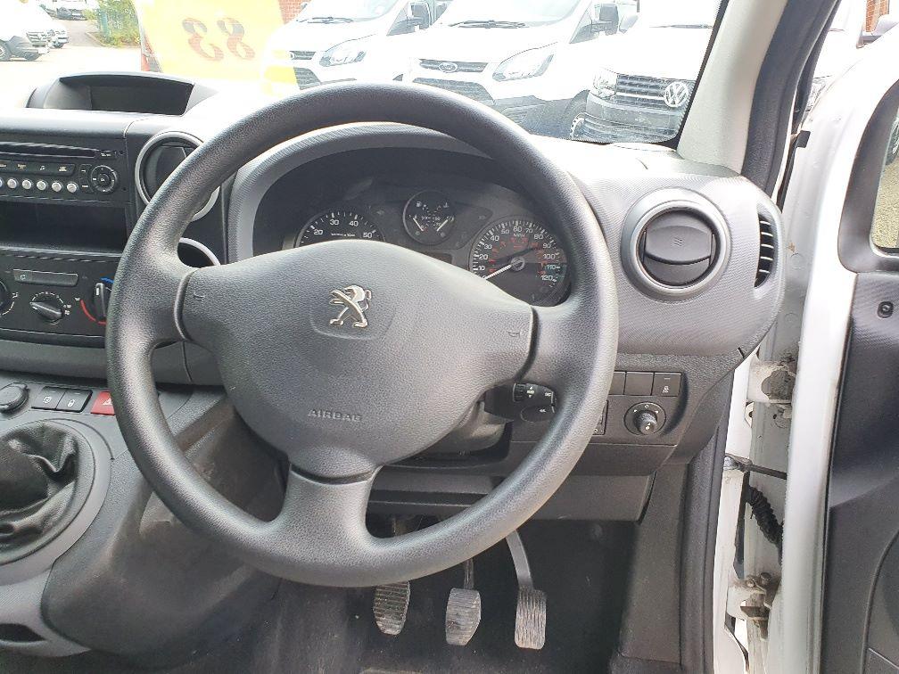2016 Peugeot Partner 850 S 1.6 Hdi 92 Van [Sld] L1 1.6 91PS EURO 5 (NU66NNP) Image 8