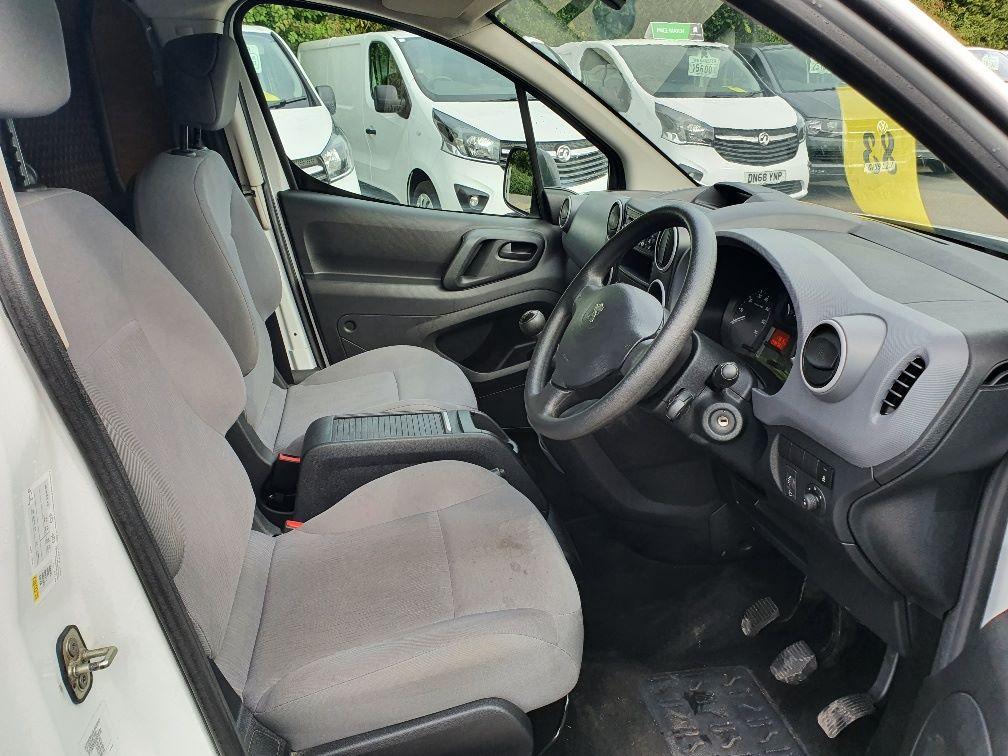 2016 Peugeot Partner 850 S 1.6 Hdi 92 Van [Sld] L1 1.6 91PS EURO 5 (NU66NNP) Image 5