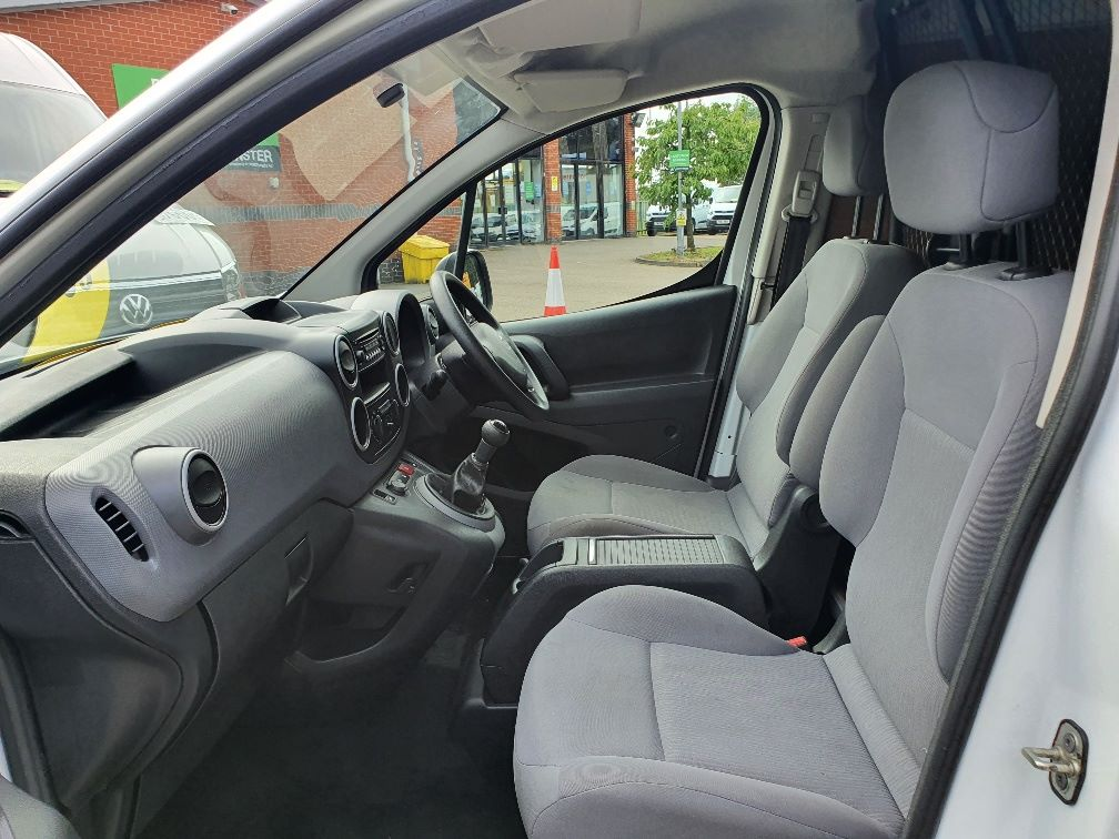 2016 Peugeot Partner 850 S 1.6 Hdi 92 Van [Sld] L1 1.6 91PS EURO 5 (NU66NNP) Image 15
