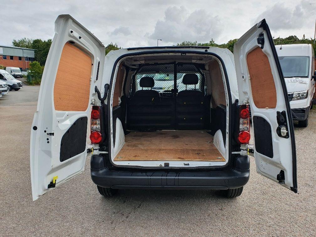 2016 Peugeot Partner 850 S 1.6 Hdi 92 Van [Sld] L1 1.6 91PS EURO 5 (NU66NNP) Image 10