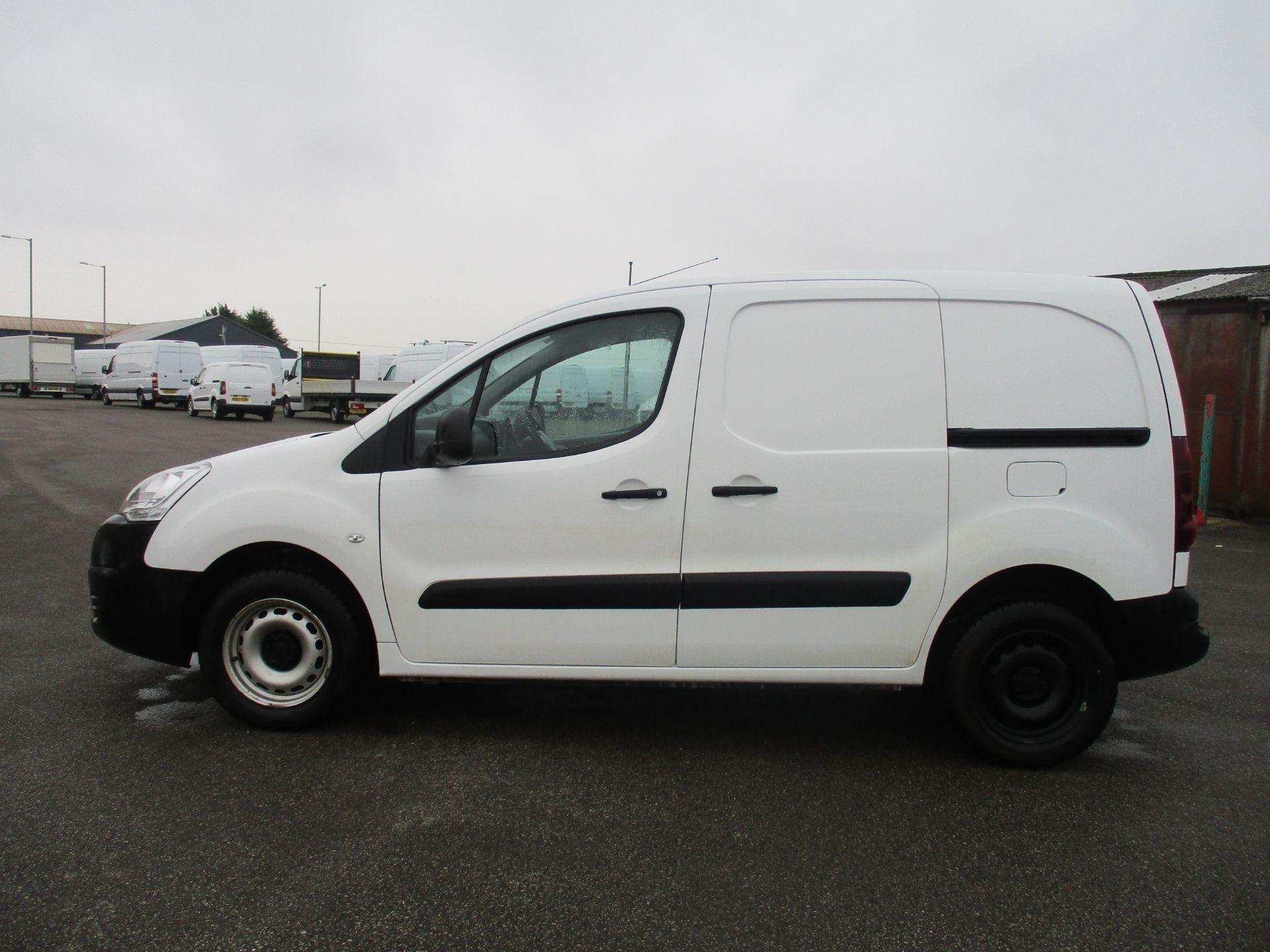 2016 Peugeot Partner L1 850 1.6 92PS EURO 5 (NU66NPN) Image 8