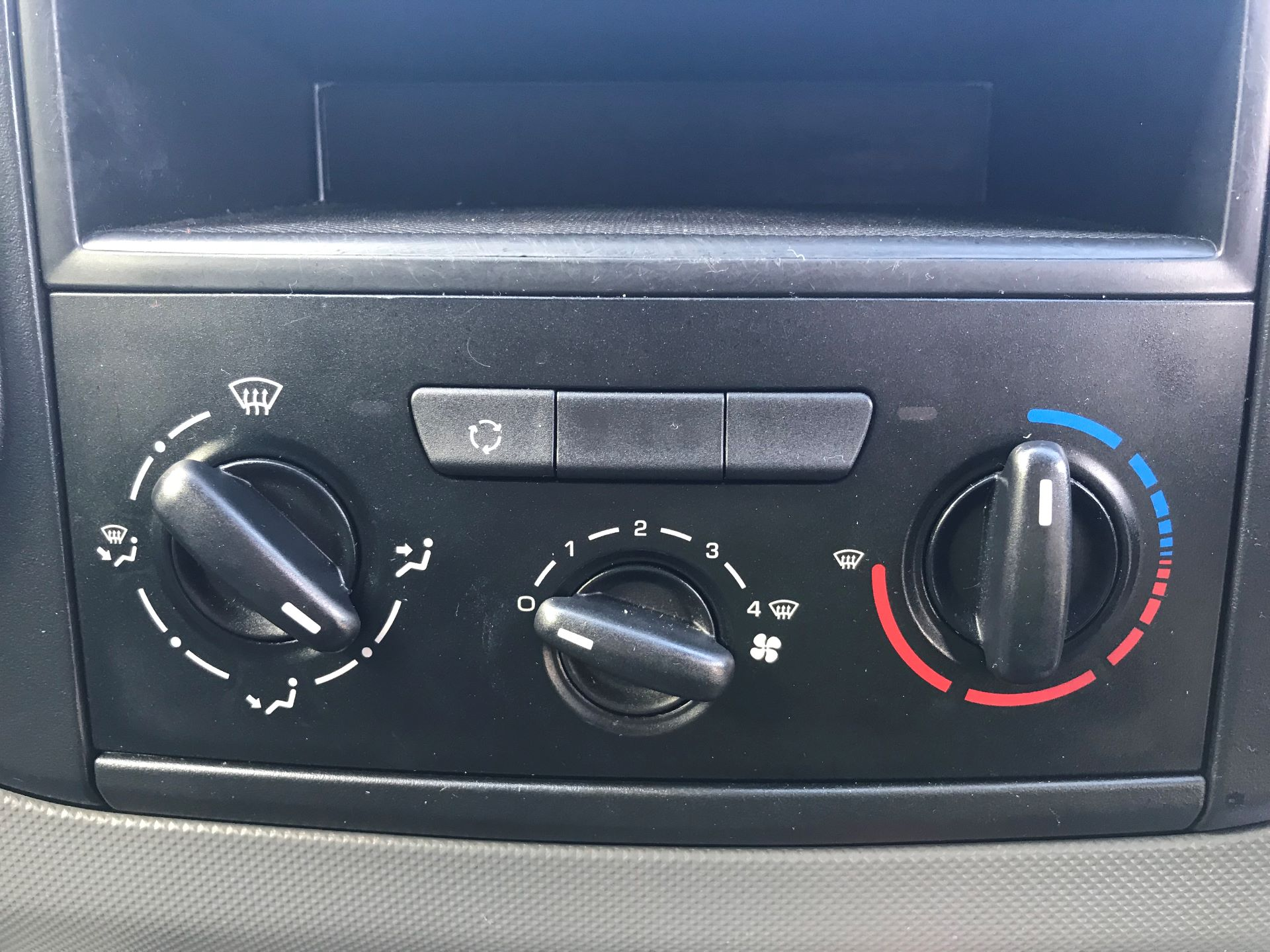 2016 Peugeot Partner L1 850 S 1.6 92PS [SLD] EURO 5 (NU66NVC) Image 24