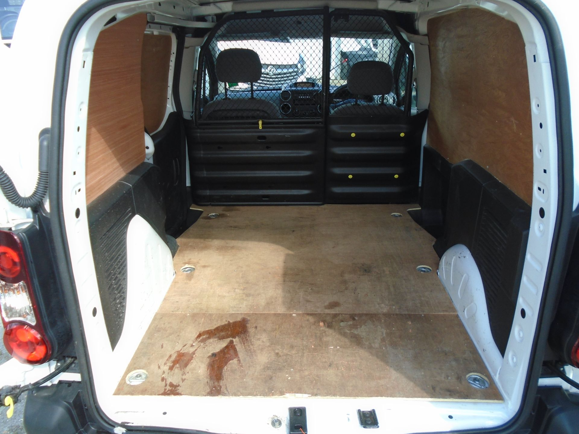 2016 Peugeot Partner 850 S 1.6 Hdi 92 Van [Sld] (NU66NVT) Image 15