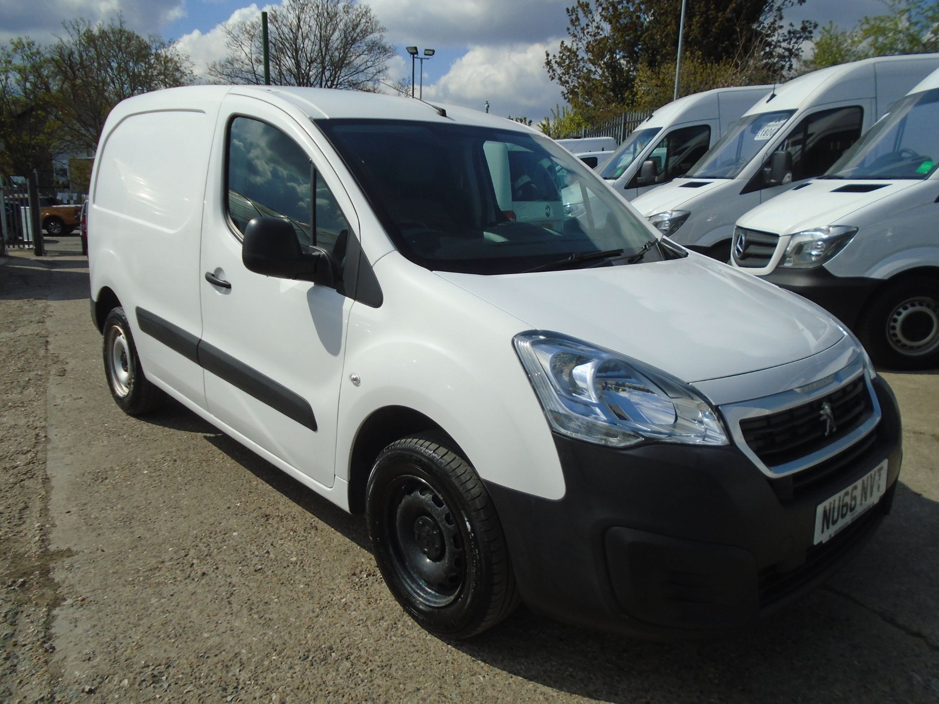2016 Peugeot Partner 850 S 1.6 Hdi 92 Van [Sld] (NU66NVT)