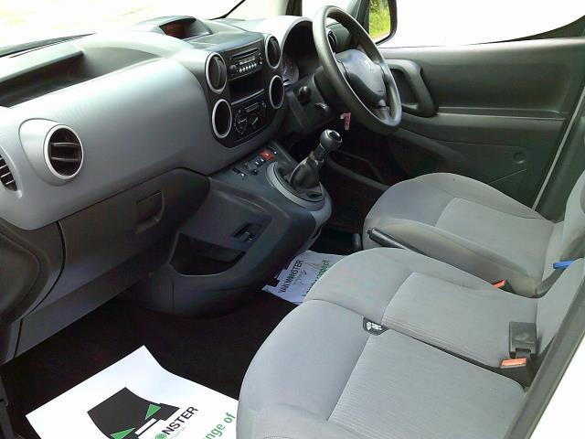 2016 Peugeot Partner 850 Se 1.6 Hdi 92 Van (NU66URO) Image 14