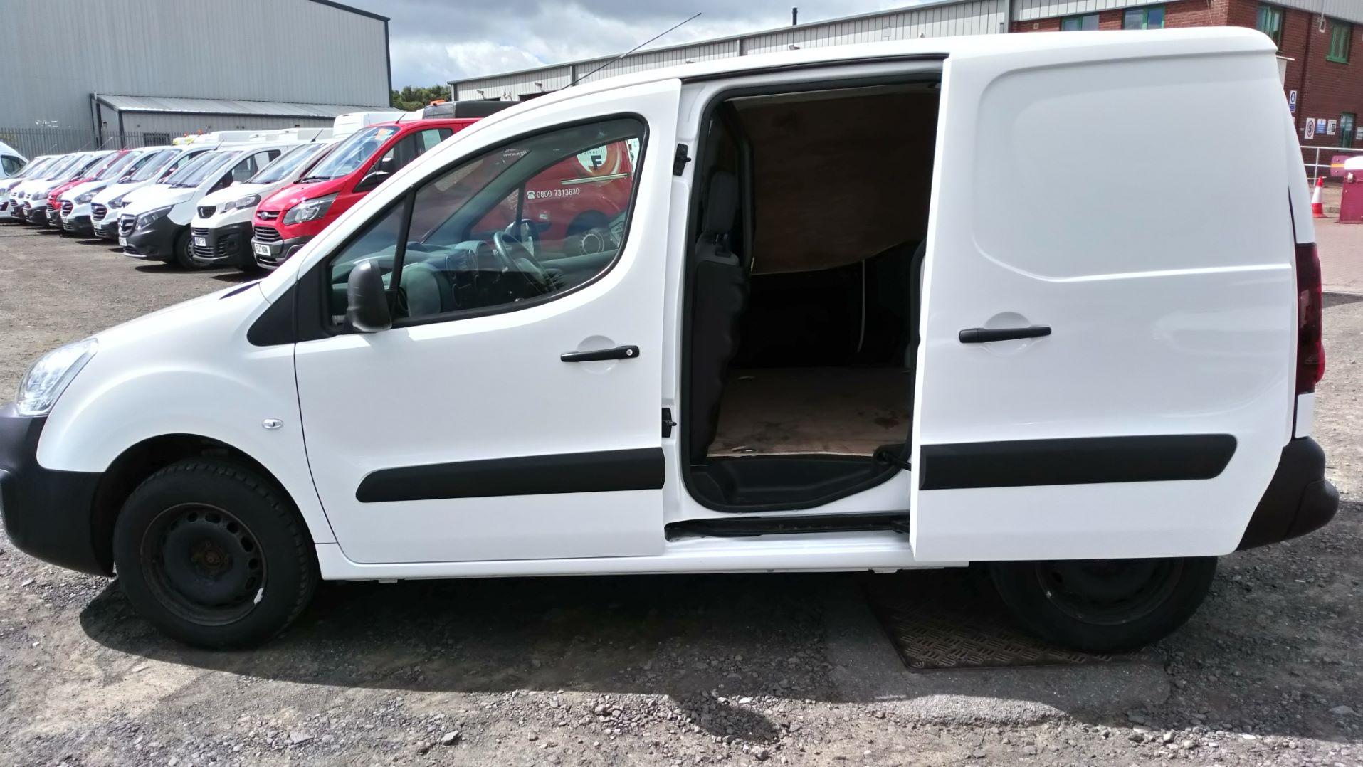 2016 Peugeot Partner 850 Se 1.6 Hdi 92 Van (NU66UTF) Image 9