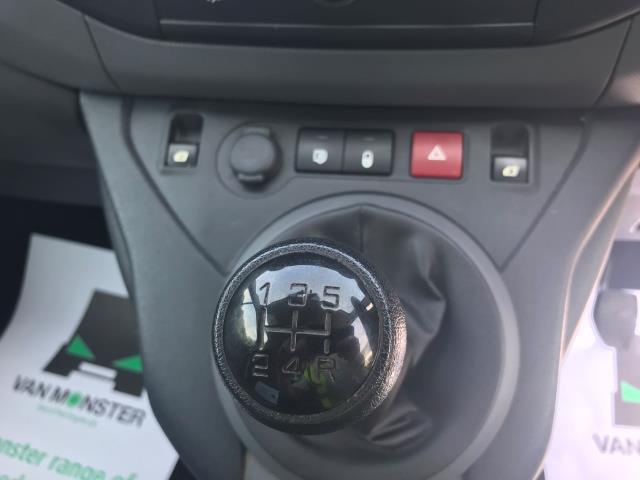 2016 Peugeot Partner  L2 715 S 1.6 92PS CREW VAN EURO 6 (NU66UXZ) Image 23
