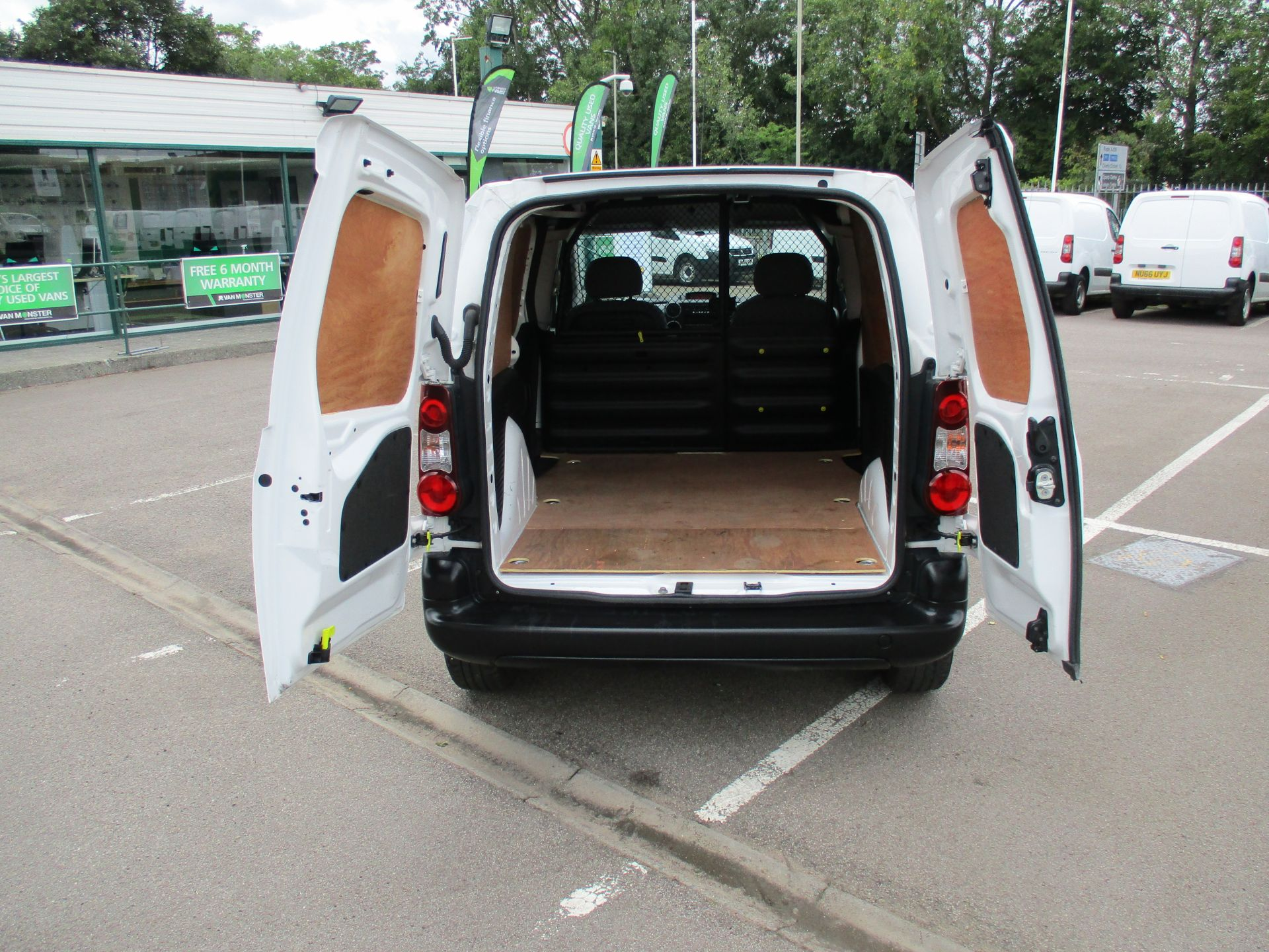 2016 Peugeot Partner 850 S 1.6 Hdi 92 Van [Sld] (NU66UYR) Image 5