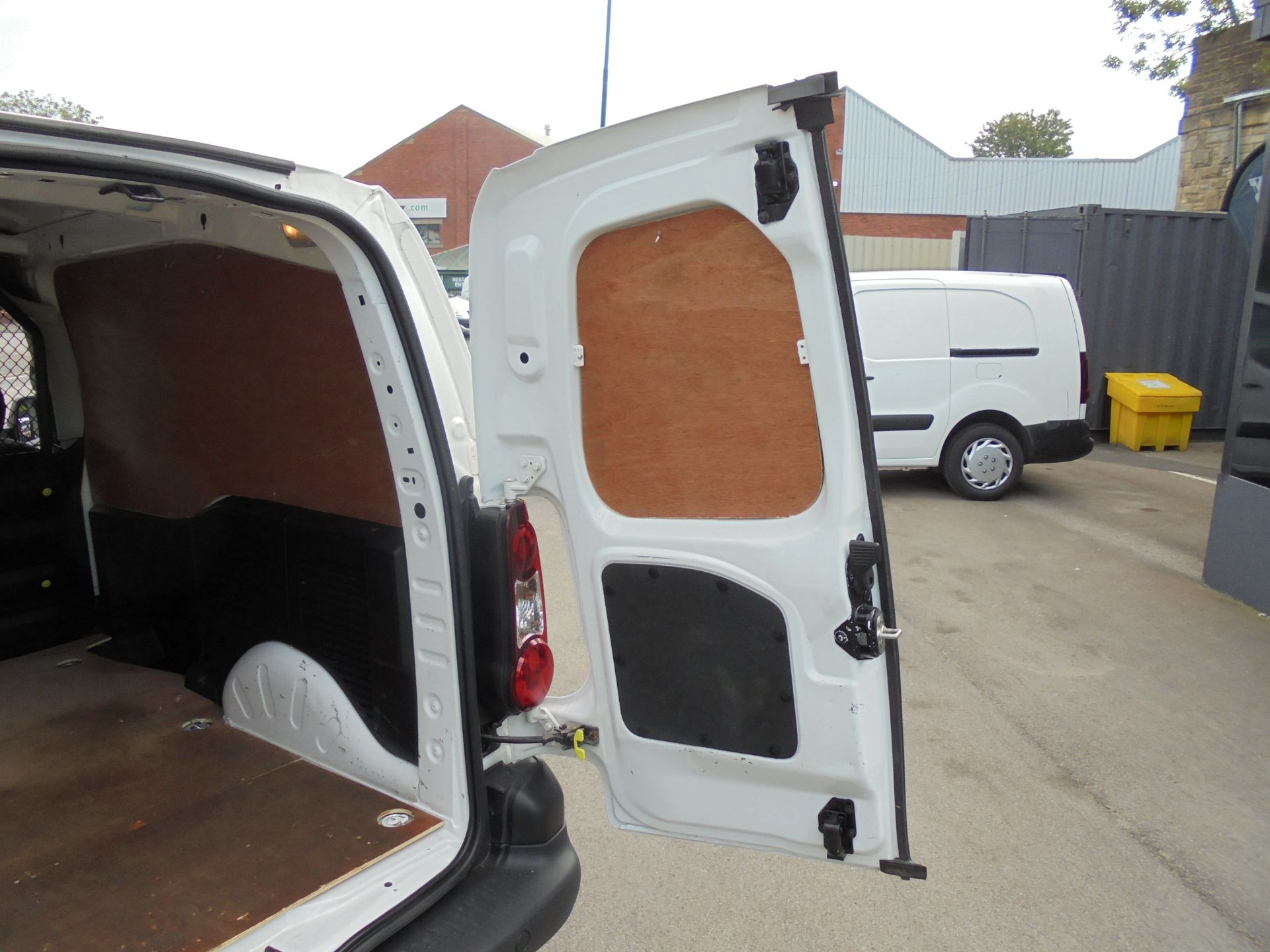 2016 Peugeot Partner 850 S 1.6 Hdi 92 Van [Sld] (NU66VWW) Image 21