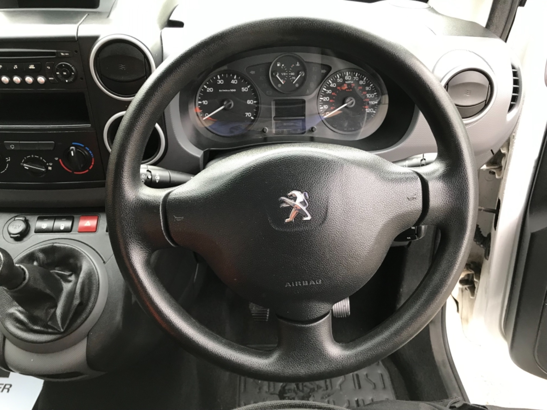 2016 Peugeot Partner 850 S 1.6 Hdi 92 Van [Sld] EURO 5 (NU66VXG) Image 13