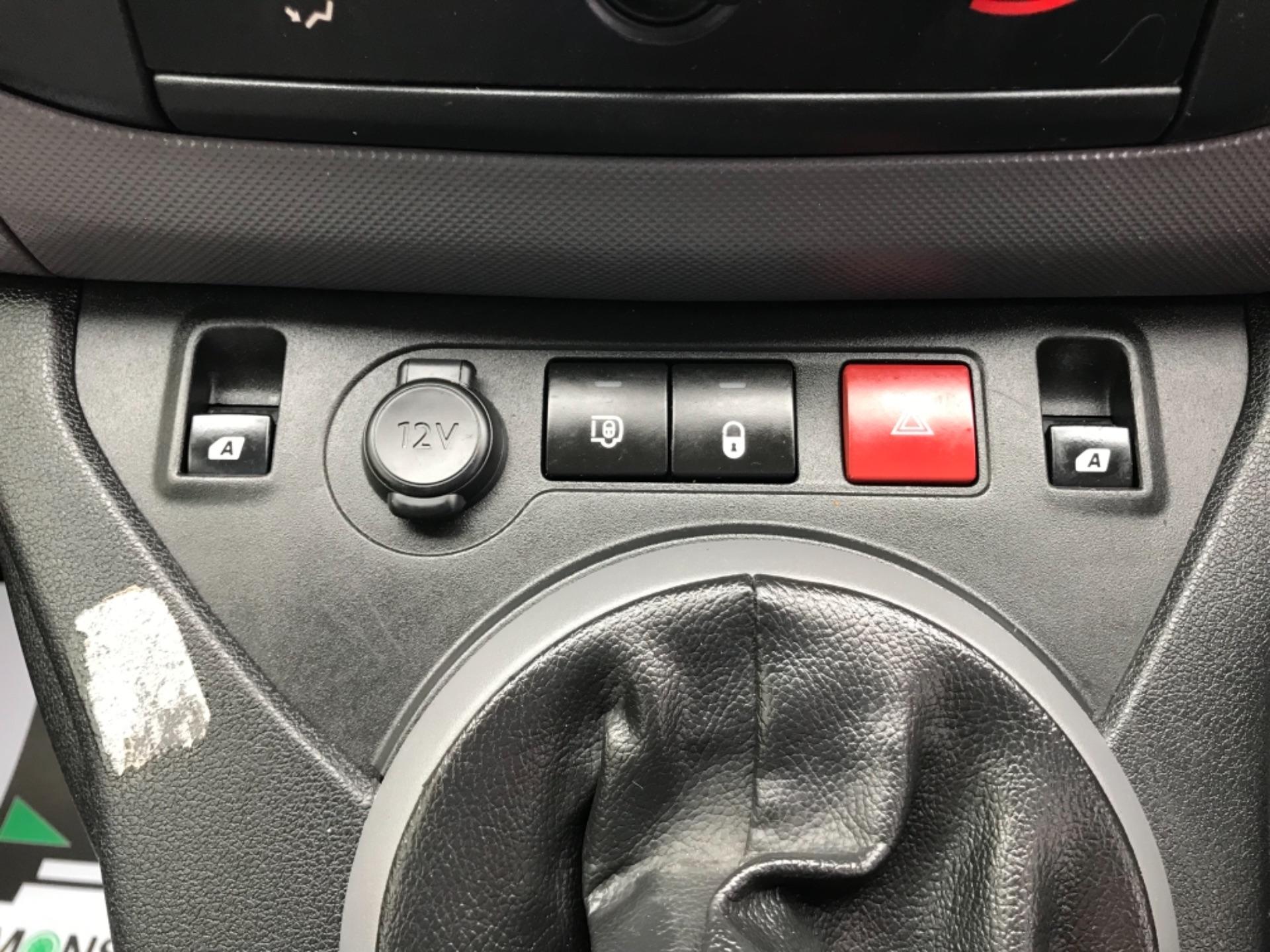 2016 Peugeot Partner 850 S 1.6 Hdi 92 Van [Sld] EURO 5 (NU66VXG) Image 20