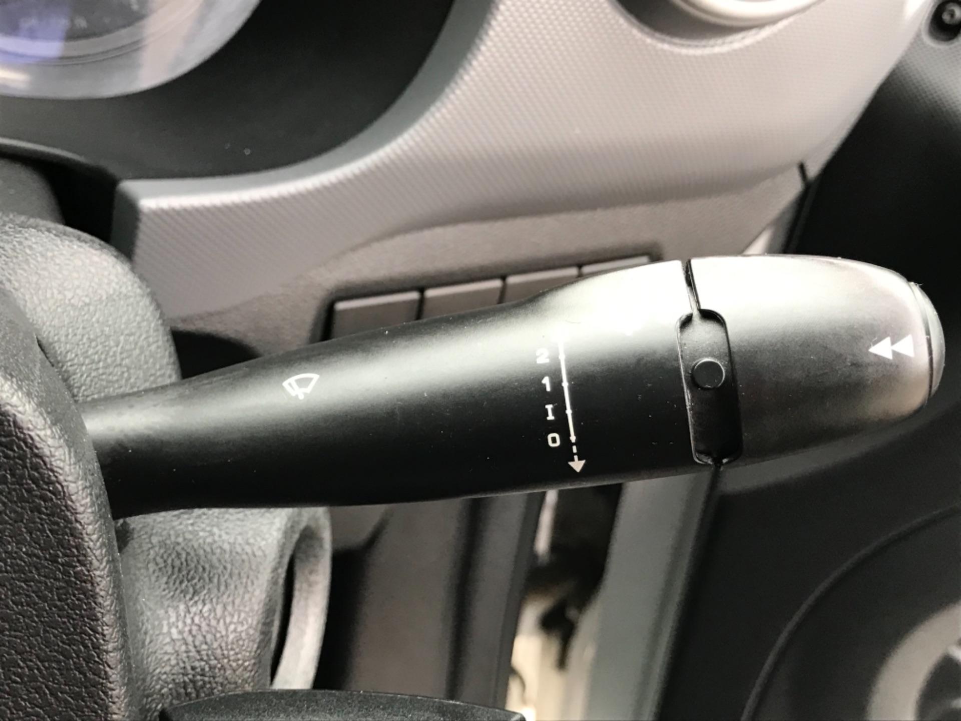 2016 Peugeot Partner 850 S 1.6 Hdi 92 Van [Sld] EURO 5 (NU66VXG) Image 15
