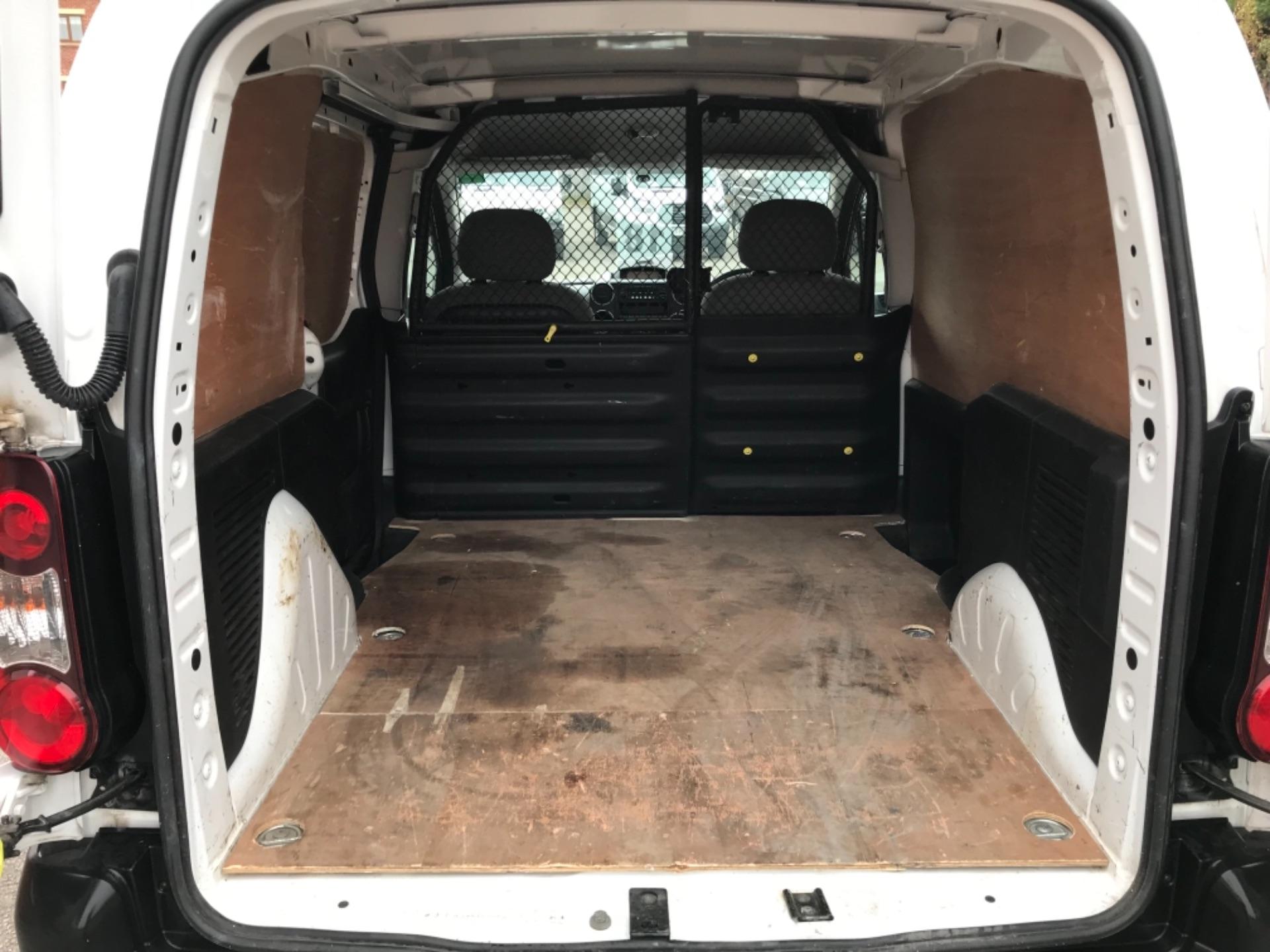 2016 Peugeot Partner 850 S 1.6 Hdi 92 Van [Sld] EURO 5 (NU66VXG) Image 30