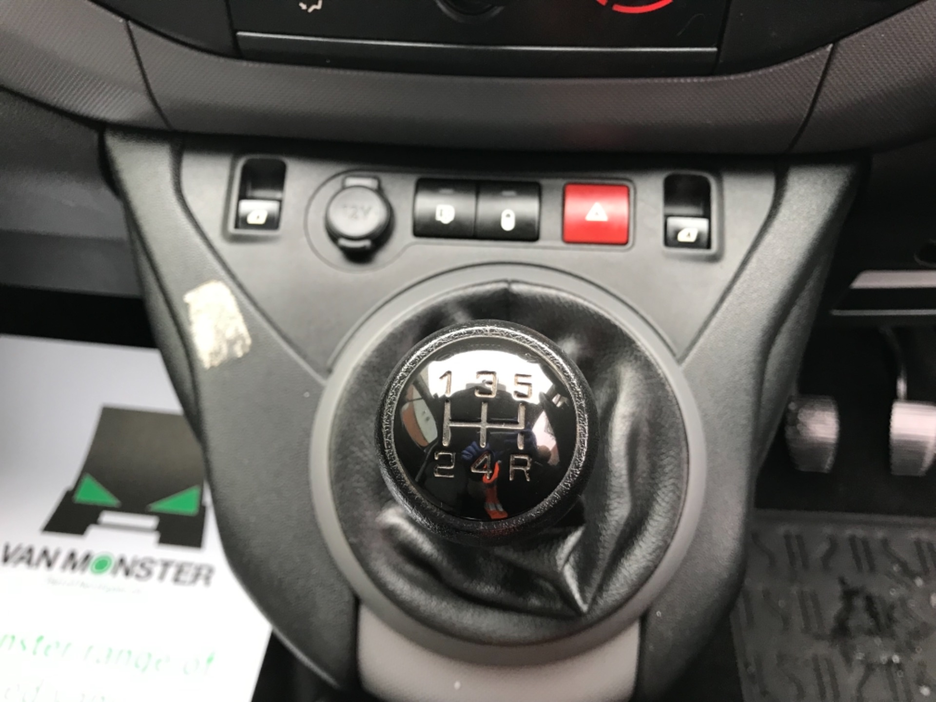 2016 Peugeot Partner 850 S 1.6 Hdi 92 Van [Sld] EURO 5 (NU66VXG) Image 21